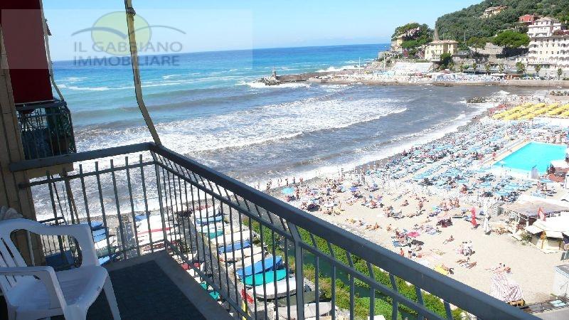 Appartamento in affitto a Recco, 4 locali, zona Località: passeggiatamare, prezzo € 700 | Cambio Casa.it