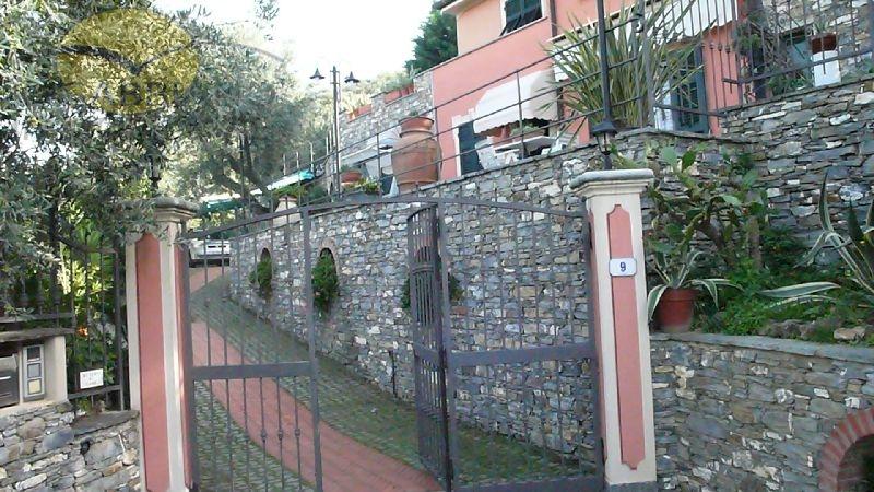 Villa in vendita a Recco, 9 locali, zona Località: Liceto, prezzo € 780.000 | Cambio Casa.it