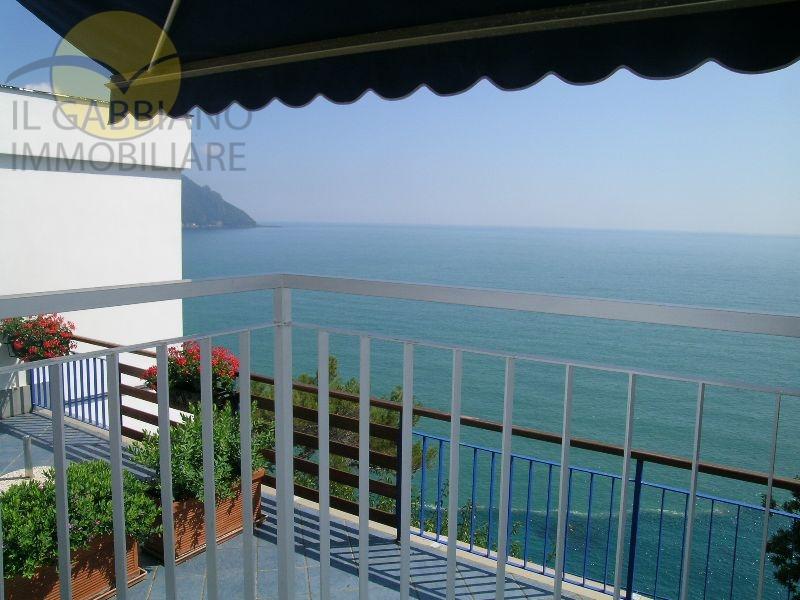 Appartamento in affitto a Sori, 5 locali, prezzo € 1.200 | CambioCasa.it