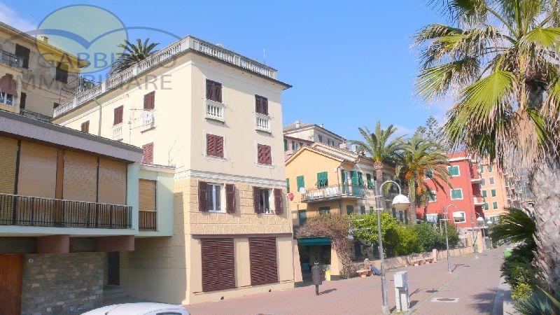 Appartamento in affitto a Recco, 5 locali, prezzo € 700 | CambioCasa.it