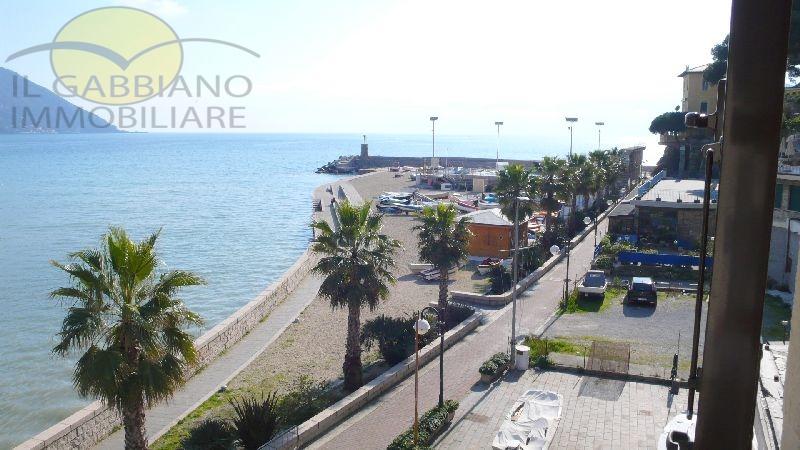 Appartamento in affitto a Recco, 5 locali, prezzo € 800 | CambioCasa.it