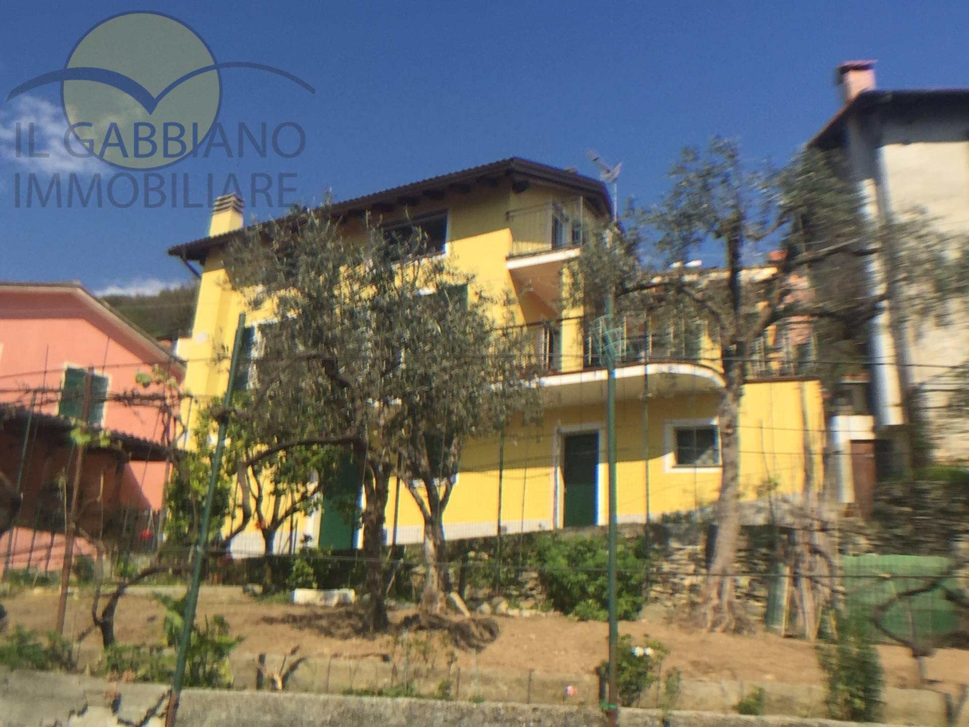 Soluzione Indipendente in vendita a Avegno, 8 locali, zona Zona: Testana, prezzo € 420.000 | Cambio Casa.it
