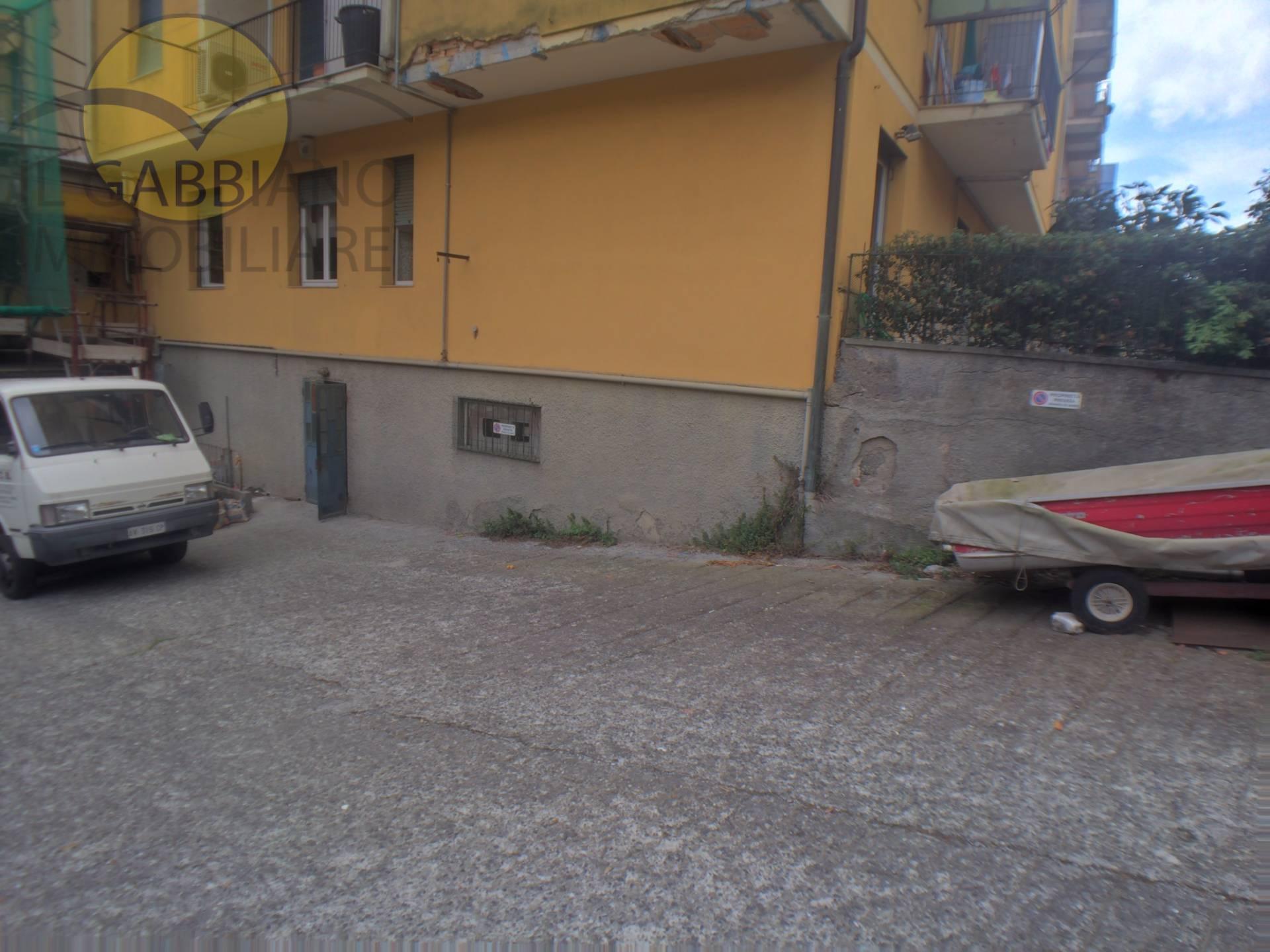 Magazzino in affitto a Recco, 9999 locali, zona Località: Centro, prezzo € 550 | Cambio Casa.it