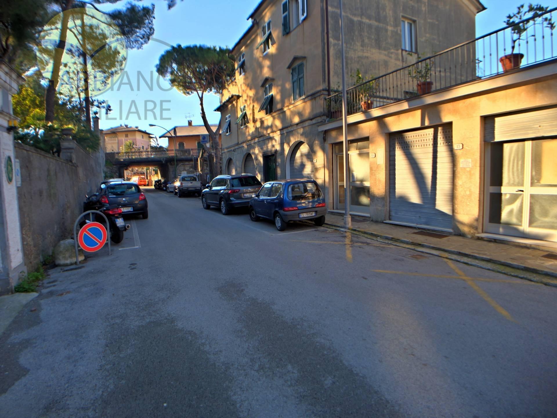 Ufficio / Studio in affitto a Recco, 9999 locali, zona Località: Mulinetti, prezzo € 350 | CambioCasa.it