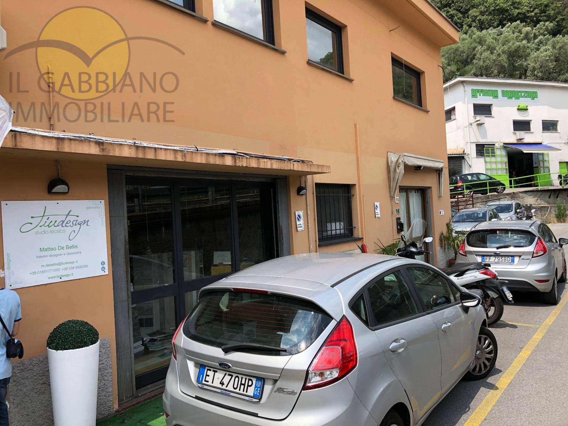Negozio / Locale in affitto a Recco, 9999 locali, zona Località: PiazzaleOlimpia, prezzo € 1.000 | CambioCasa.it