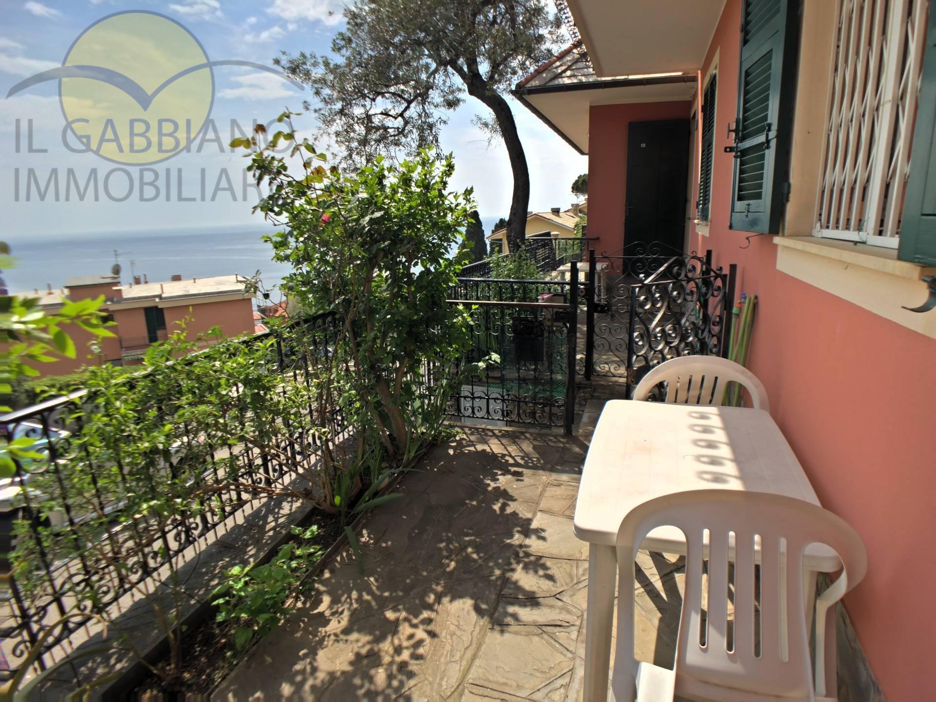 Appartamento in affitto a Recco, 4 locali, prezzo € 1.500   CambioCasa.it