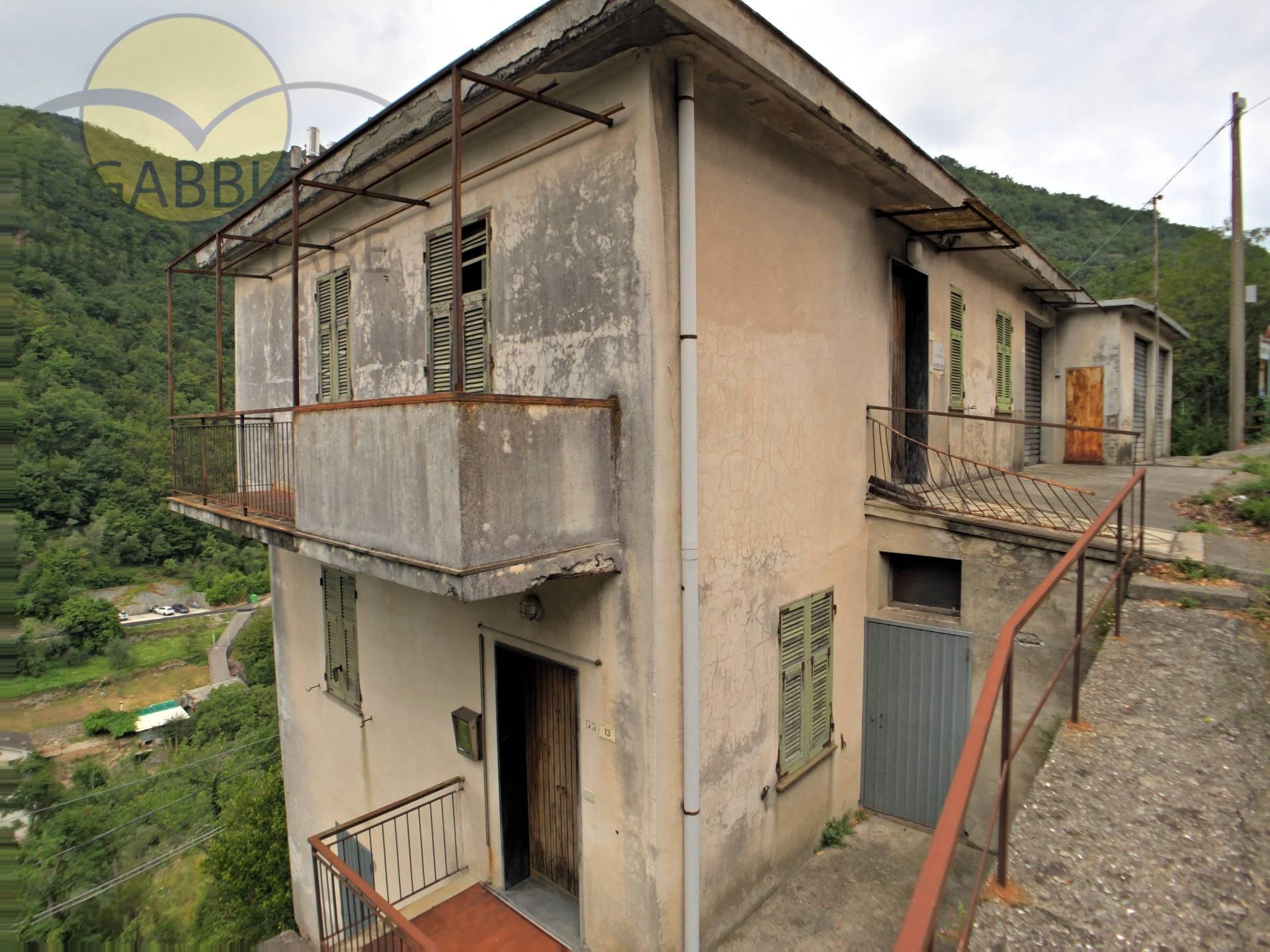 Appartamento in vendita a Avegno, 12 locali, zona Località: avegno, prezzo € 120.000 | CambioCasa.it