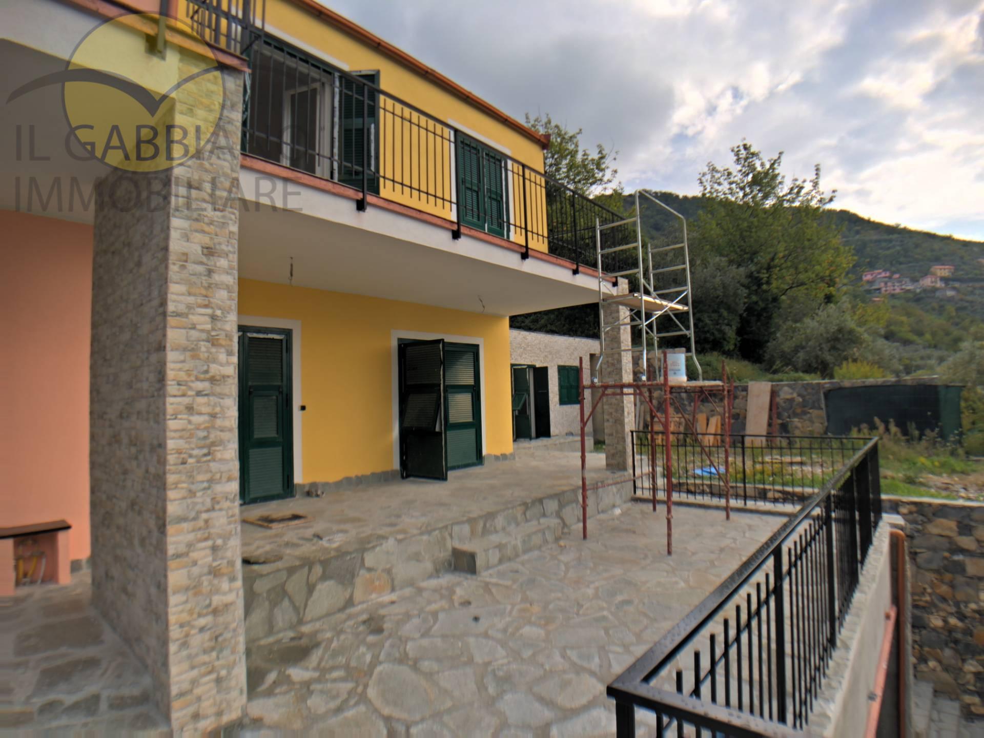 Appartamento in vendita a Avegno, 6 locali, zona Zona: Testana, prezzo € 390.000 | CambioCasa.it