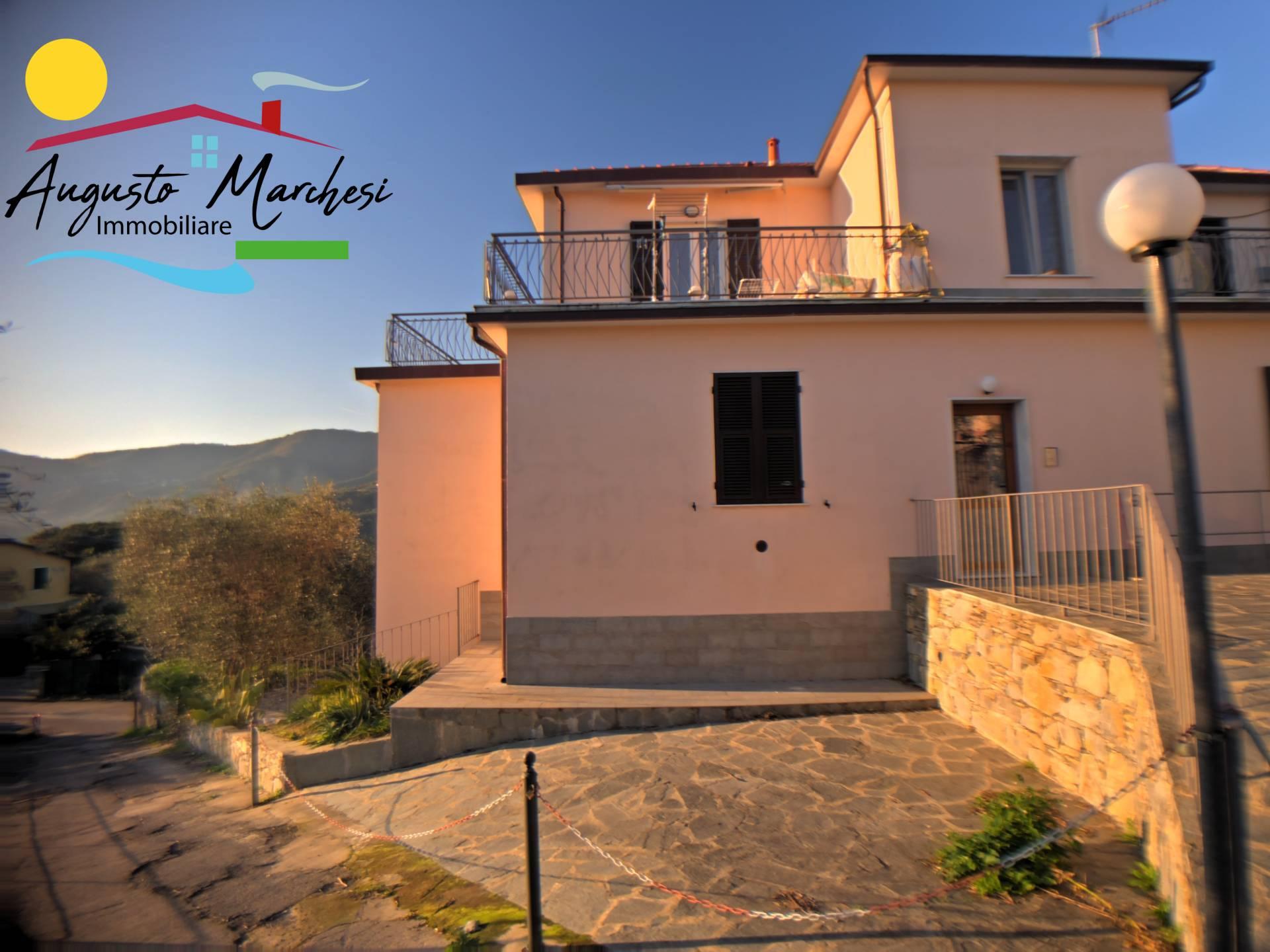 Appartamento in affitto a Rapallo, 6 locali, prezzo € 650 | PortaleAgenzieImmobiliari.it