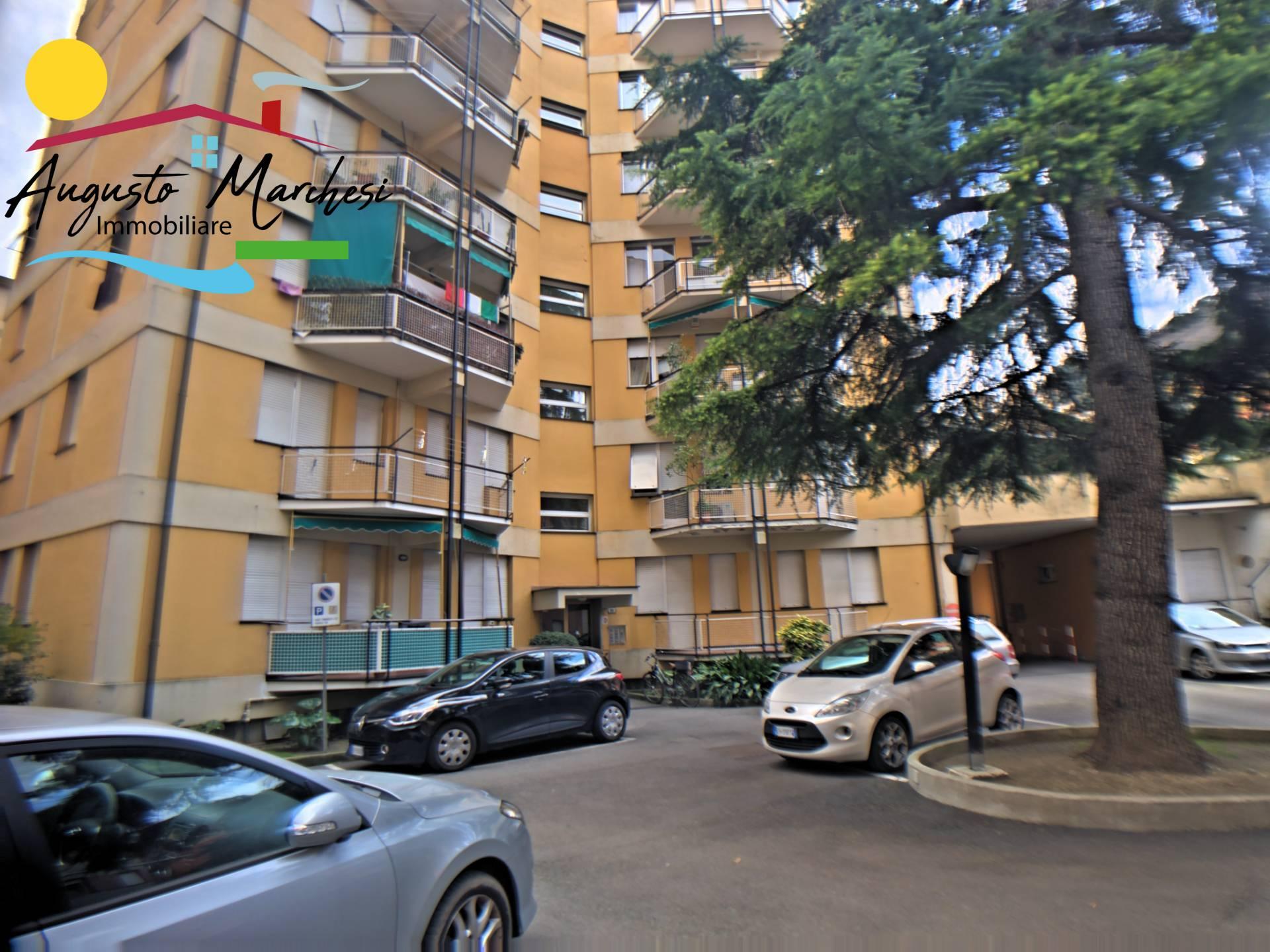 Appartamento in affitto a Recco, 6 locali, zona Località: centrale, prezzo € 600 | CambioCasa.it