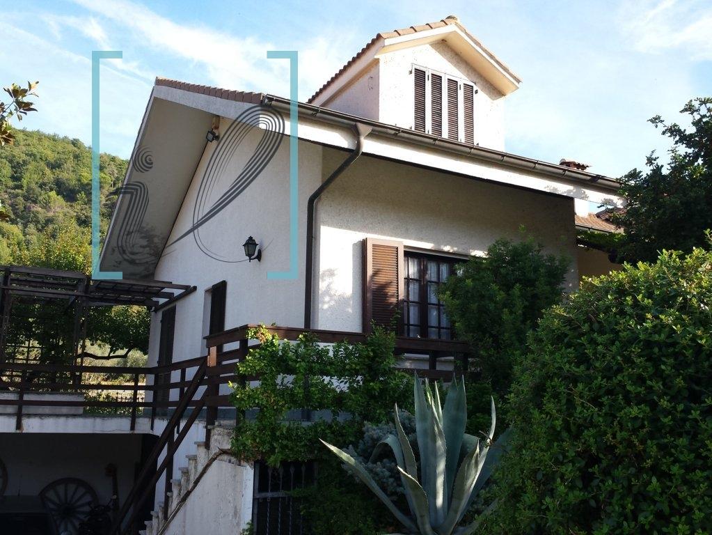 Villa in vendita a Ortovero, 8 locali, Trattative riservate   CambioCasa.it