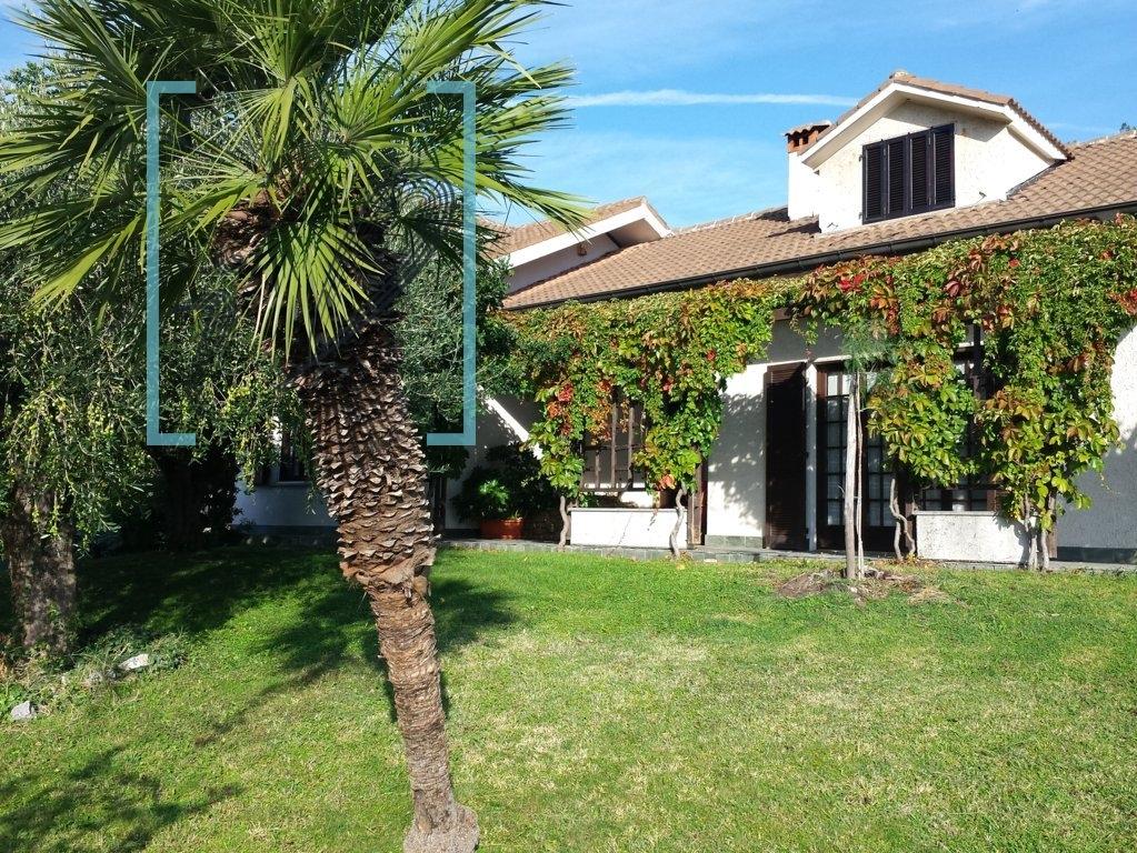 Villa in vendita a Ortovero, 8 locali, Trattative riservate | CambioCasa.it
