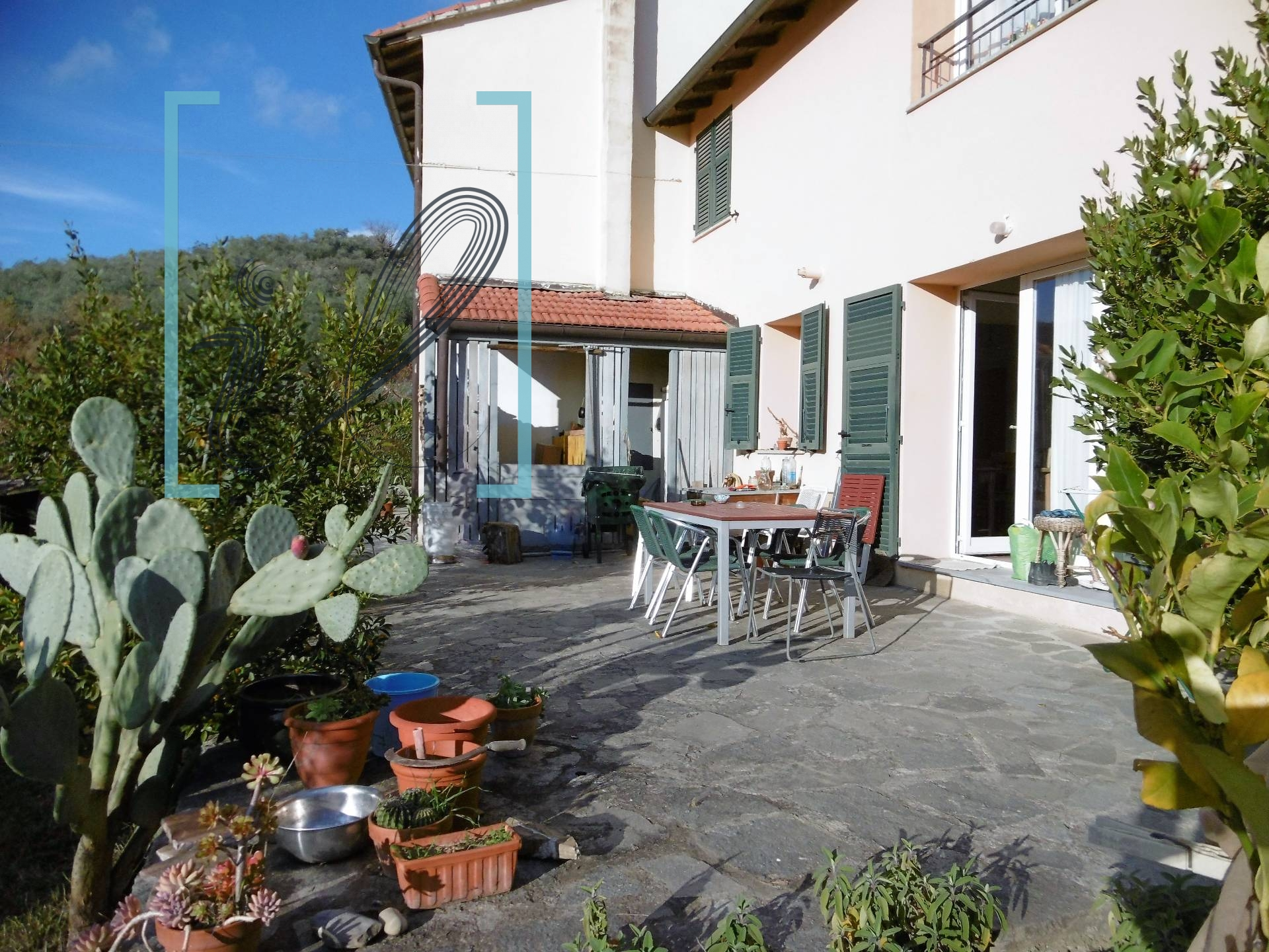 Appartamento in vendita a Ranzo, 6 locali, prezzo € 120.000 | CambioCasa.it