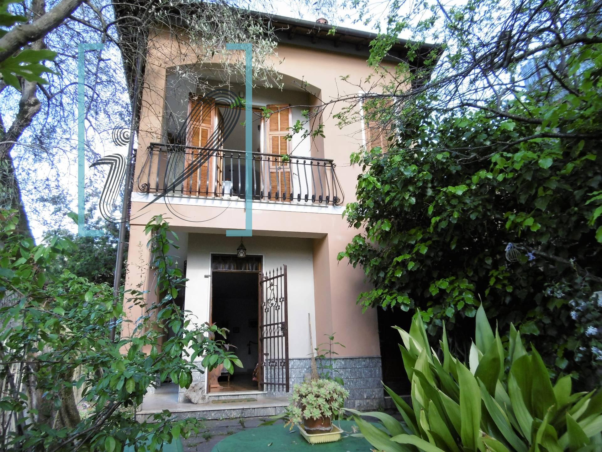Villa in vendita a Ranzo, 4 locali, prezzo € 100.000   CambioCasa.it
