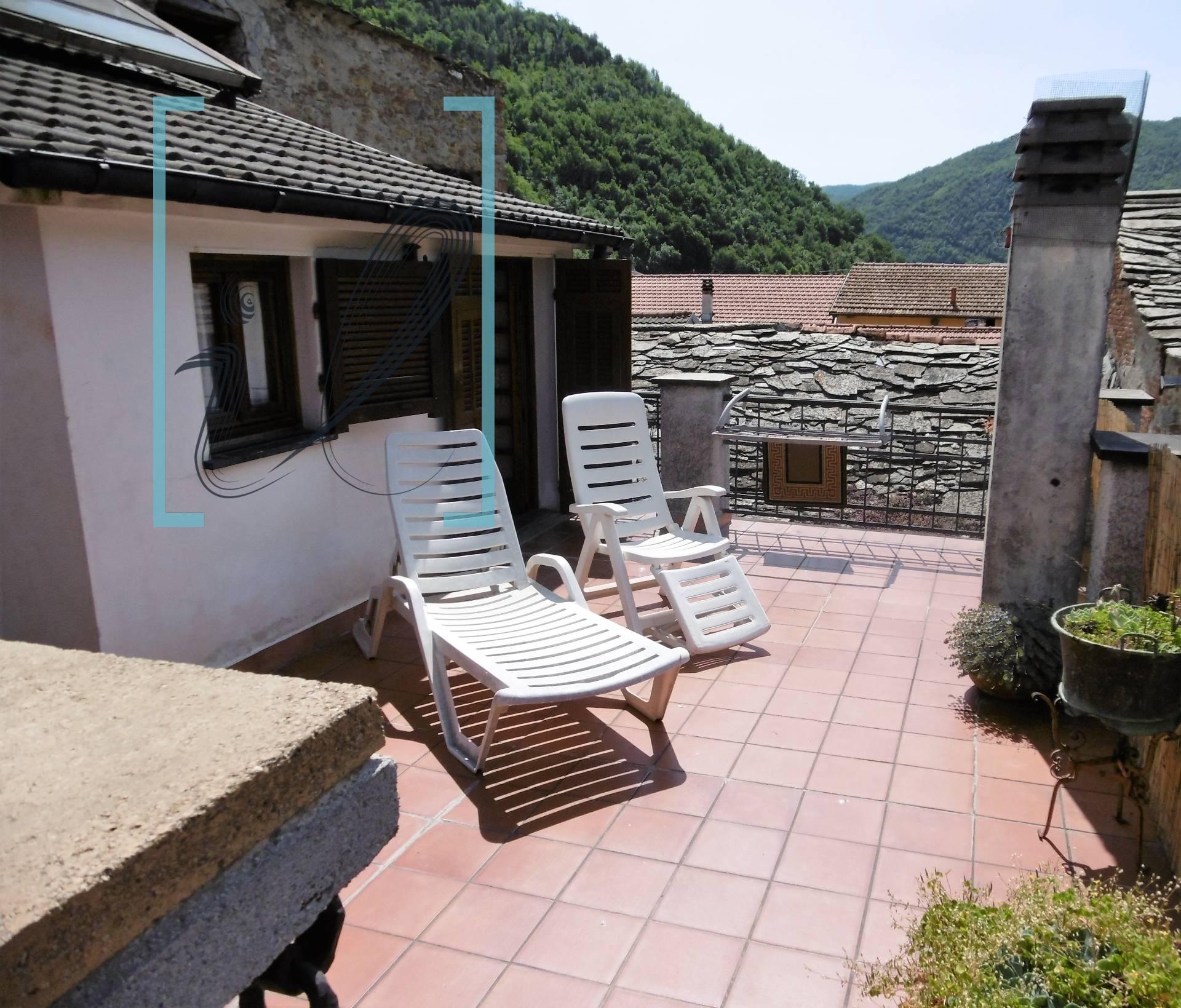 Appartamento in vendita a Pieve di Teco, 6 locali, prezzo € 165.000 | CambioCasa.it