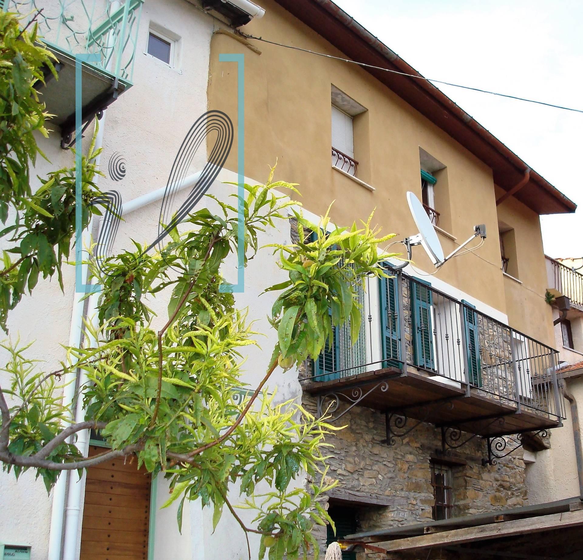 Appartamento in vendita a Borghetto d'Arroscia, 3 locali, prezzo € 48.000   Cambio Casa.it