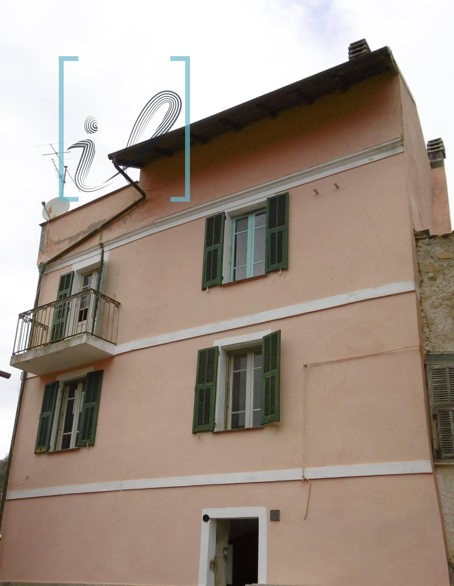 Rustico / Casale in vendita a Chiusanico, 4 locali, zona Zona: Torria, prezzo € 77.000 | CambioCasa.it