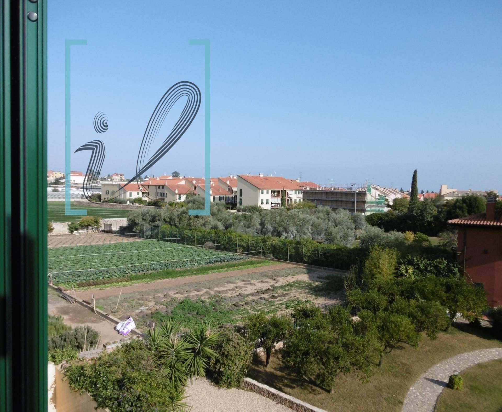 Appartamento in vendita a Albenga, 2 locali, zona Zona: Leca, prezzo € 107.000 | CambioCasa.it