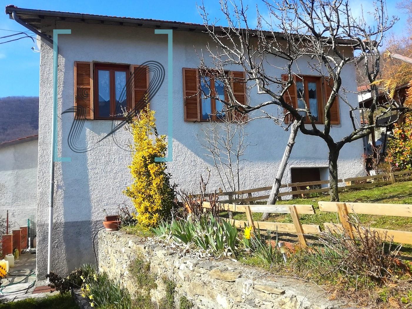 Villa in vendita a Armo, 4 locali, prezzo € 115.000 | CambioCasa.it