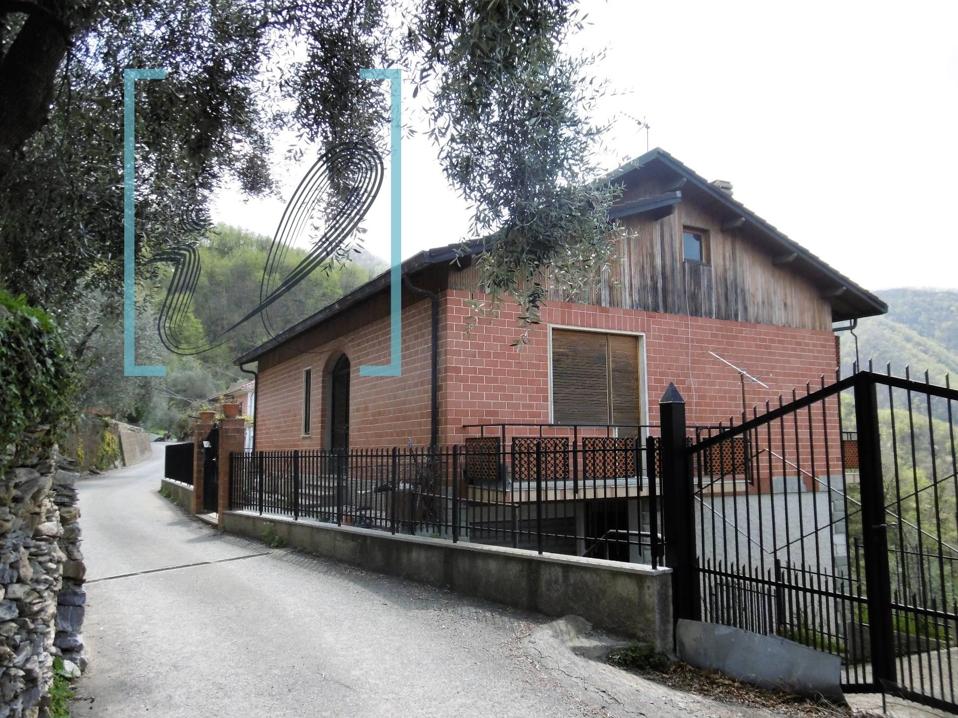 Appartamento in vendita a Borghetto d'Arroscia, 5 locali, prezzo € 80.000 | CambioCasa.it