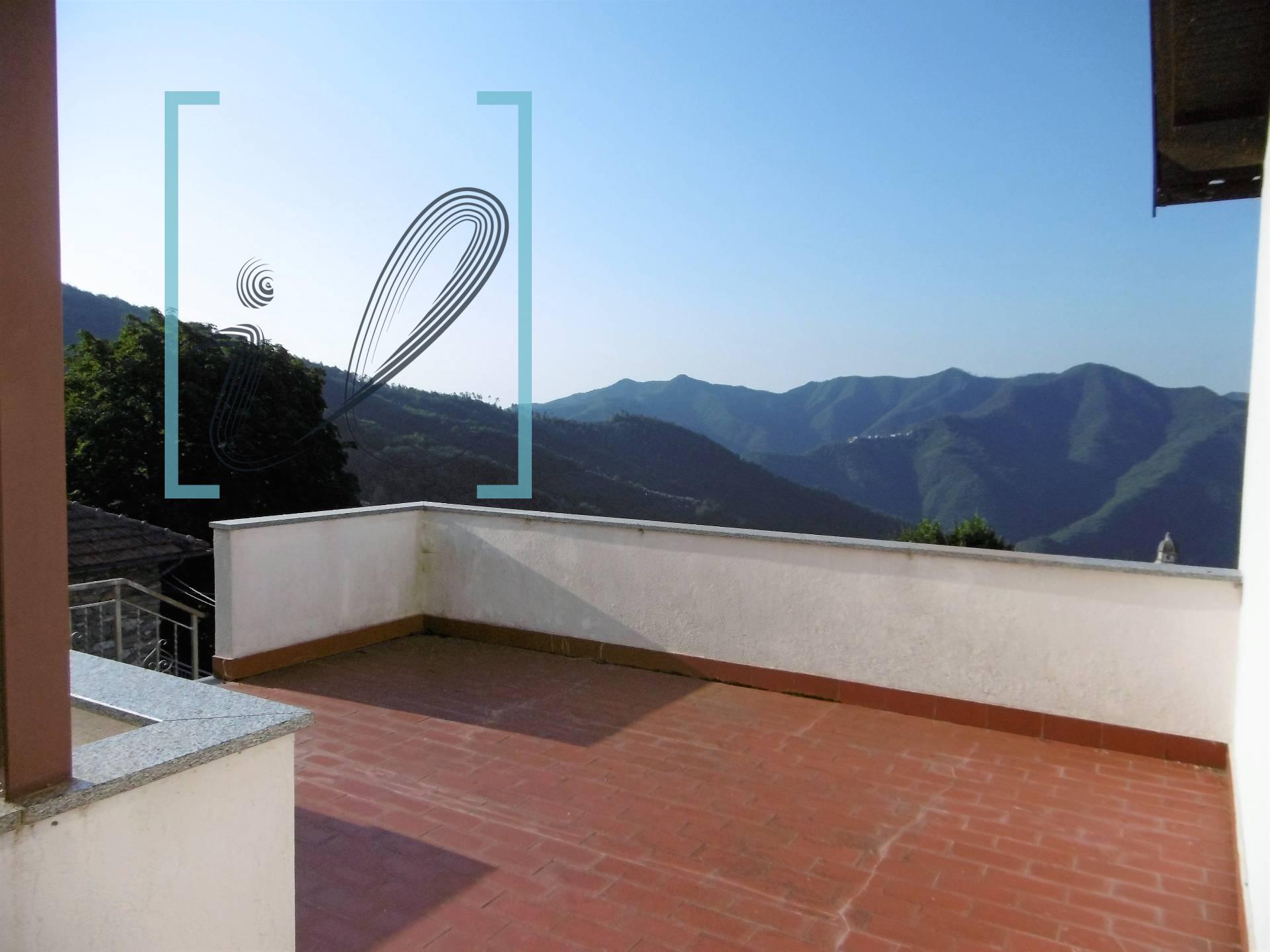 Appartamento in vendita a Borghetto d'Arroscia, 4 locali, zona Zona: Gavenola, prezzo € 68.000 | CambioCasa.it