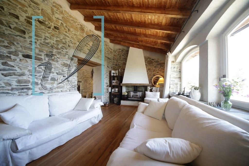 Rustico / Casale in vendita a Pieve di Teco, 6 locali, zona Zona: Lovegno, prezzo € 149.000 | CambioCasa.it
