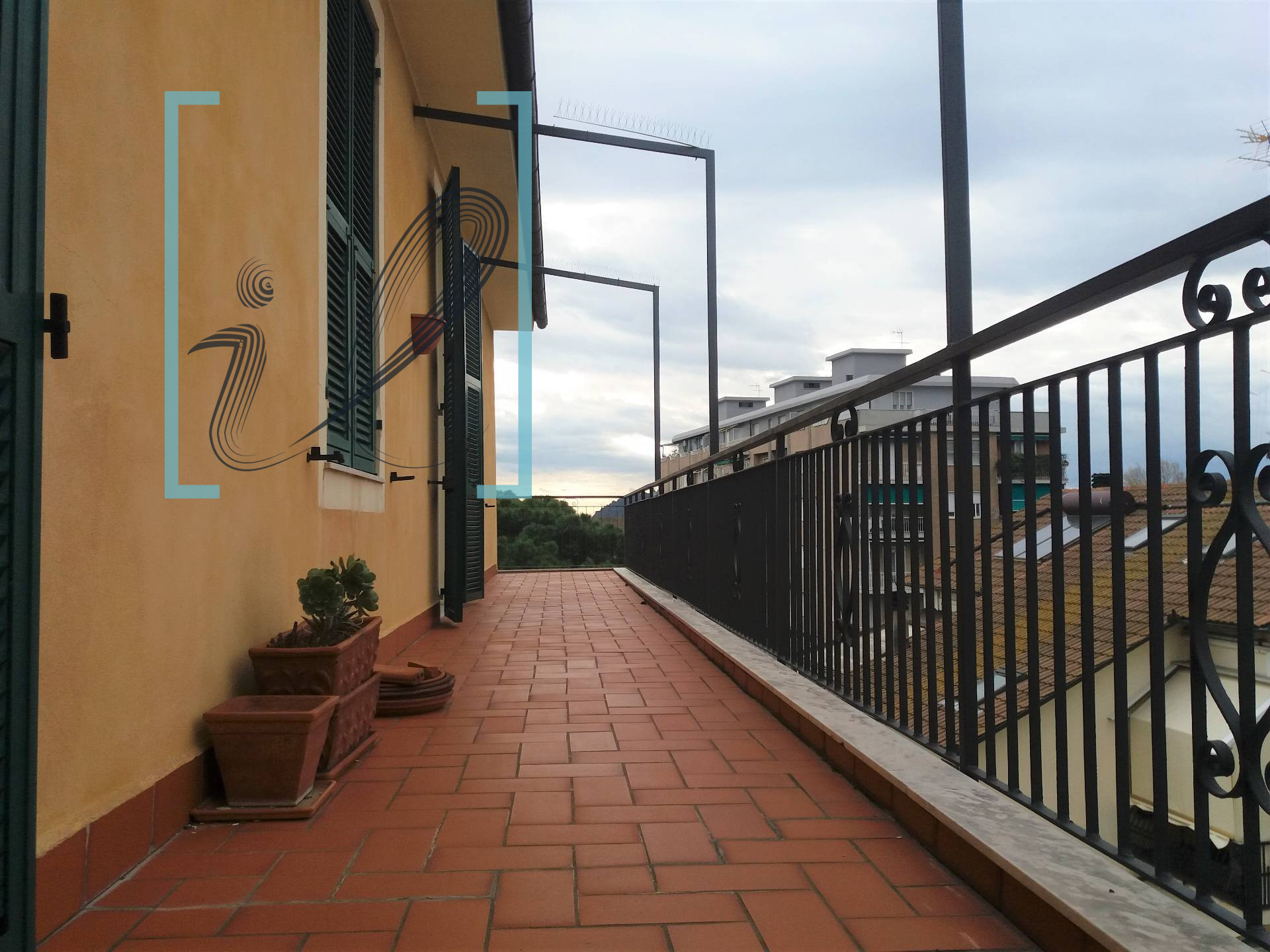 Appartamento in vendita a Albenga, 5 locali, prezzo € 300.000 | CambioCasa.it