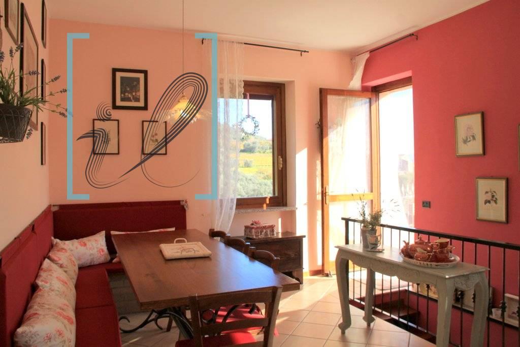 Appartamento in vendita a Ranzo, 5 locali, prezzo € 89.000   CambioCasa.it