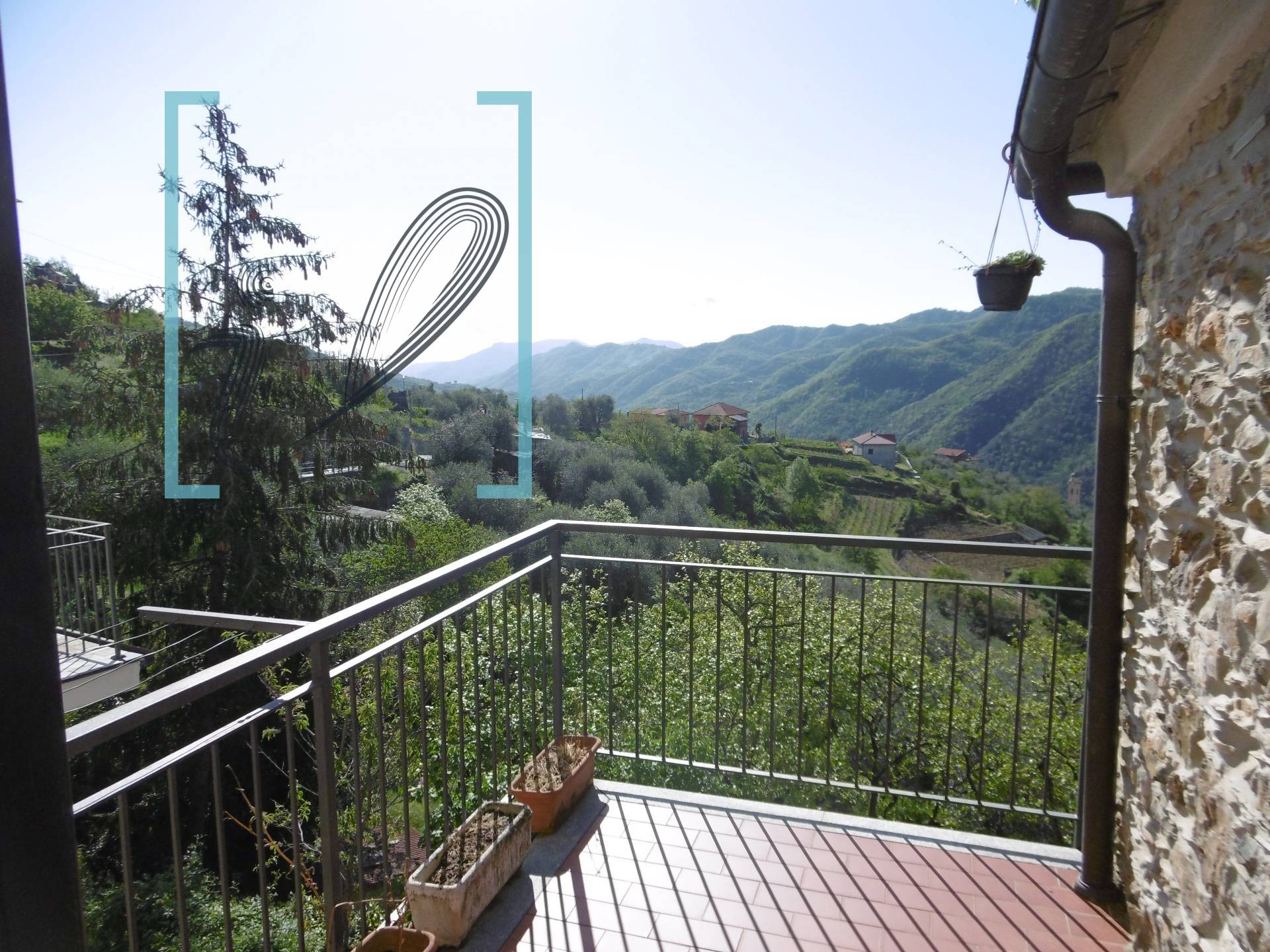 Rustico / Casale in vendita a Ranzo, 4 locali, prezzo € 68.000   CambioCasa.it