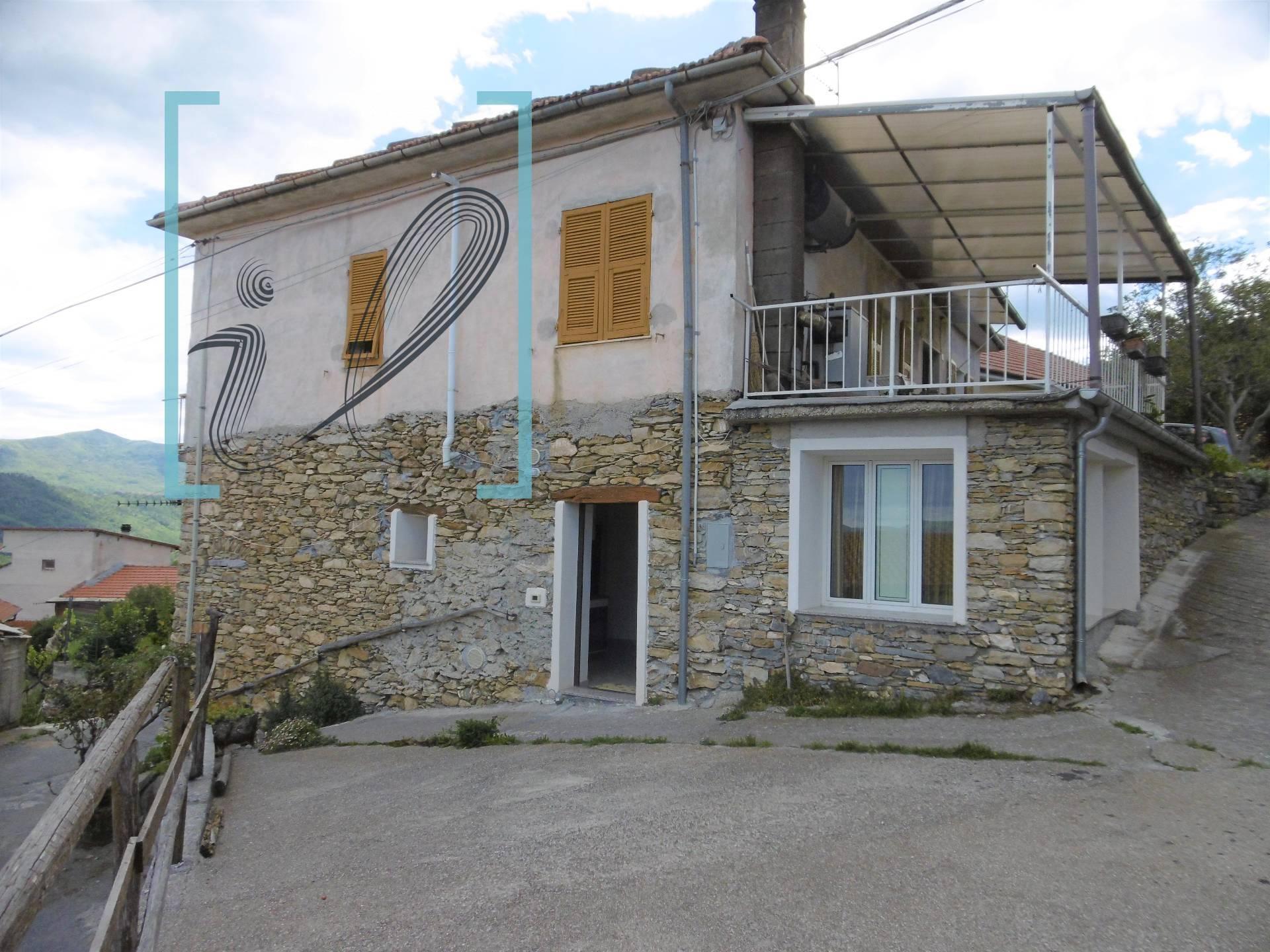 Appartamento in vendita a Casanova Lerrone, 3 locali, zona Zona: Maromoreo, prezzo € 48.000   CambioCasa.it