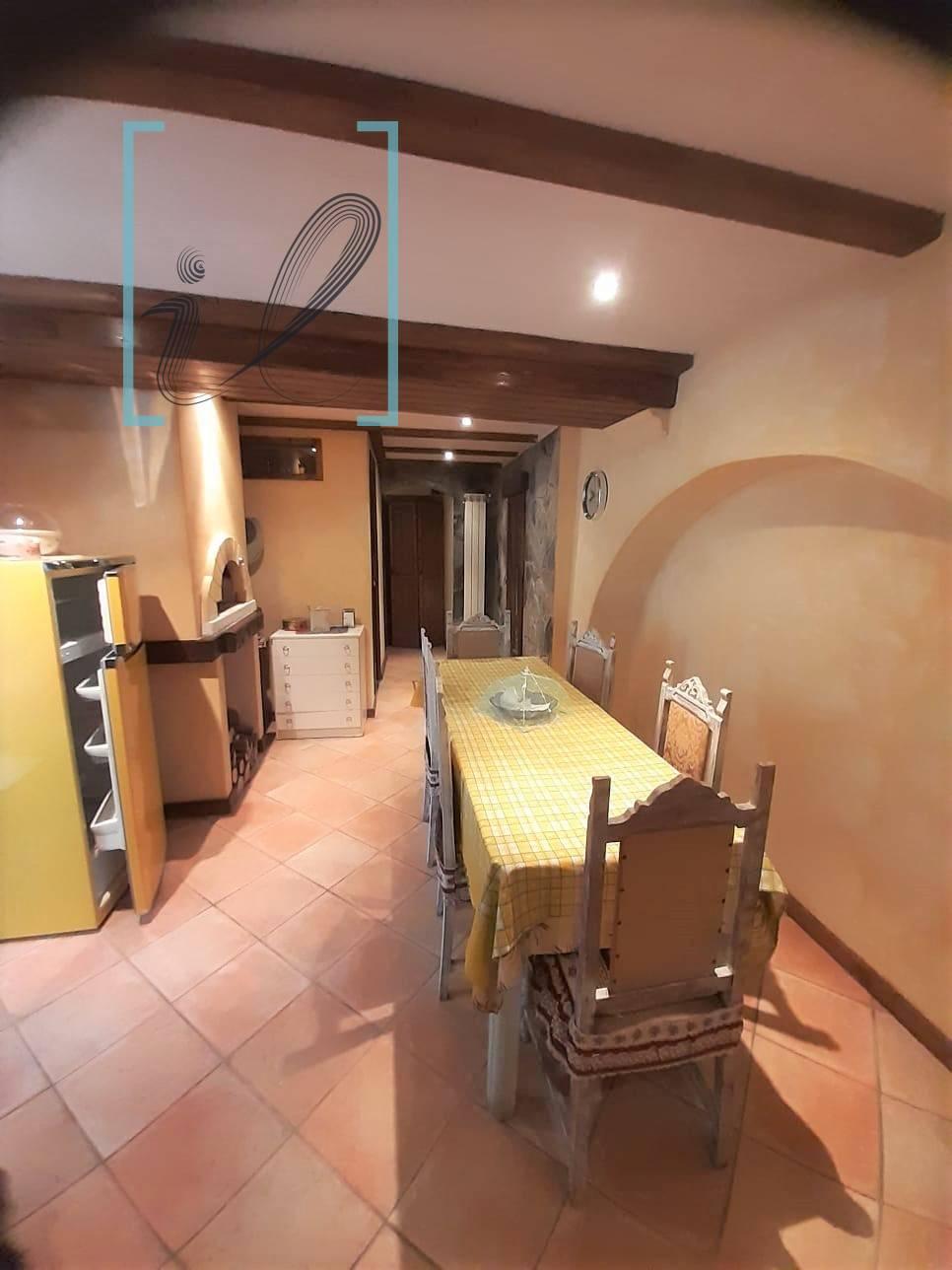 Rustico / Casale in vendita a Pornassio, 4 locali, zona Zona: Ottano, prezzo € 85.000 | CambioCasa.it