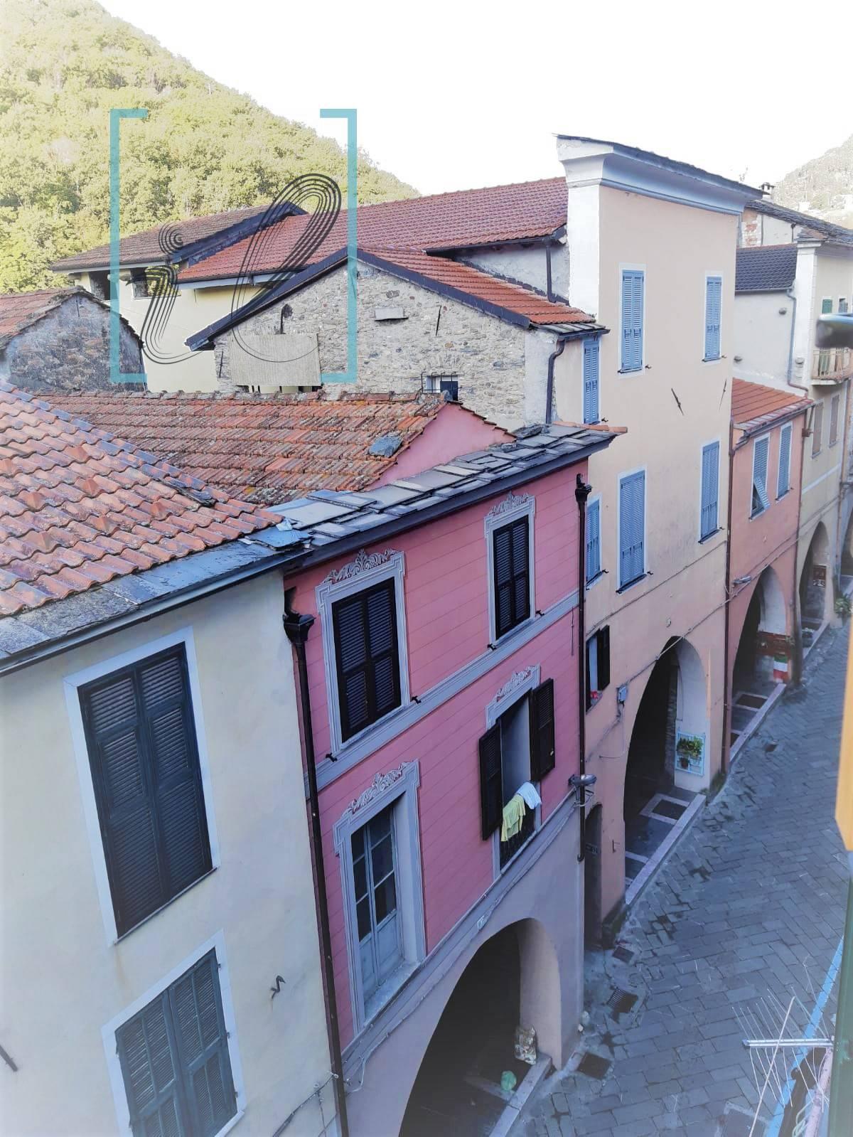 Appartamento in vendita a Pieve di Teco, 5 locali, prezzo € 68.000 | PortaleAgenzieImmobiliari.it