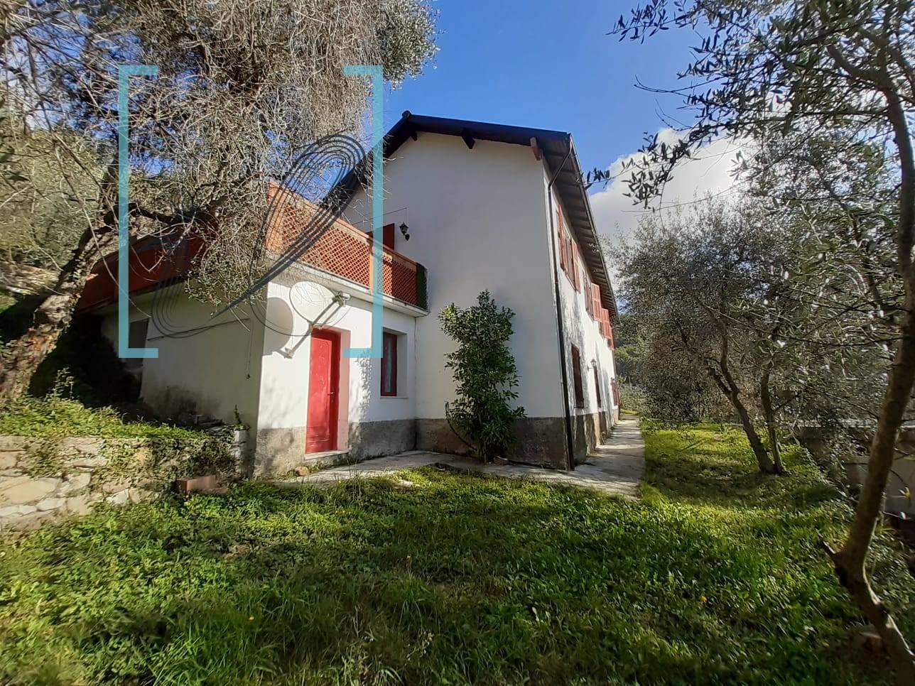 Soluzione Indipendente in vendita a Aurigo, 6 locali, prezzo € 218.000 | PortaleAgenzieImmobiliari.it