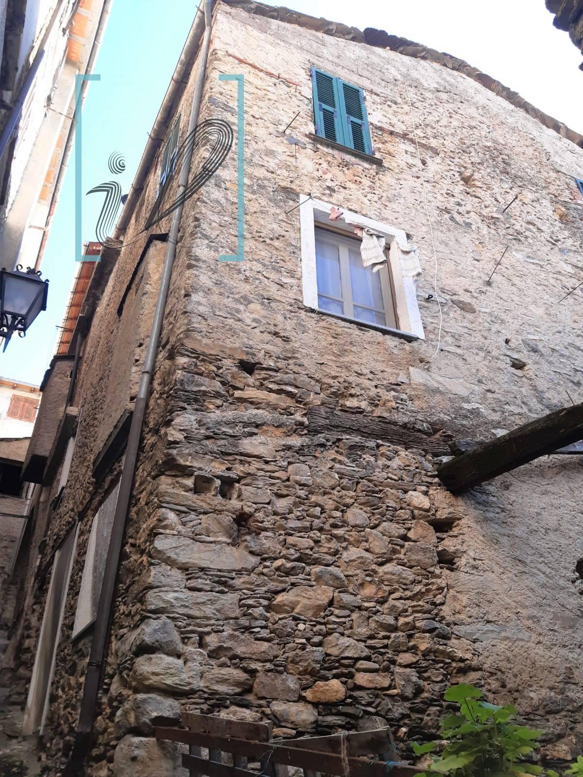 Rustico / Casale in vendita a Cosio di Arroscia, 4 locali, prezzo € 27.000 | PortaleAgenzieImmobiliari.it