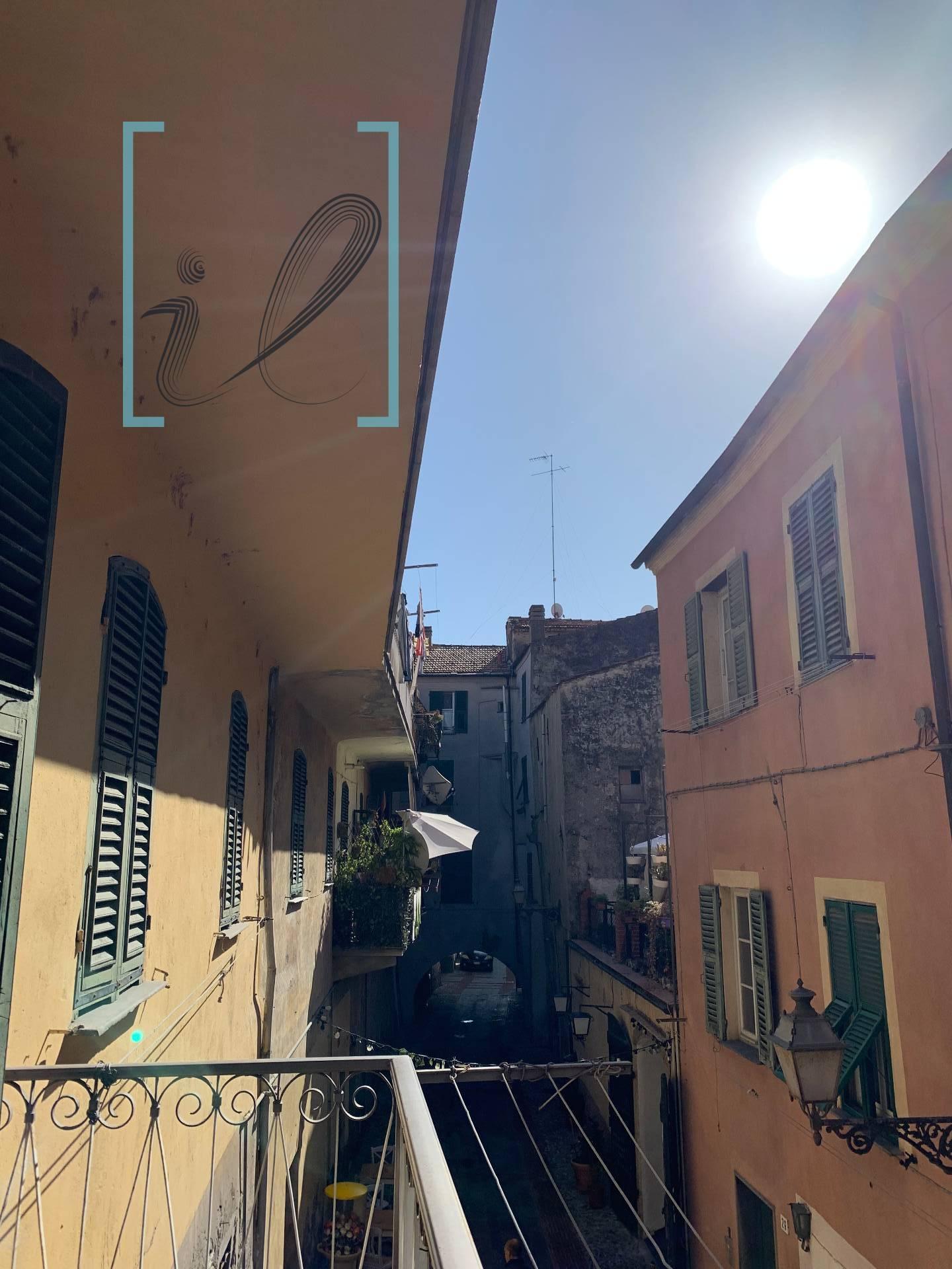 Appartamento in vendita a Albenga, 4 locali, prezzo € 130.000 | PortaleAgenzieImmobiliari.it