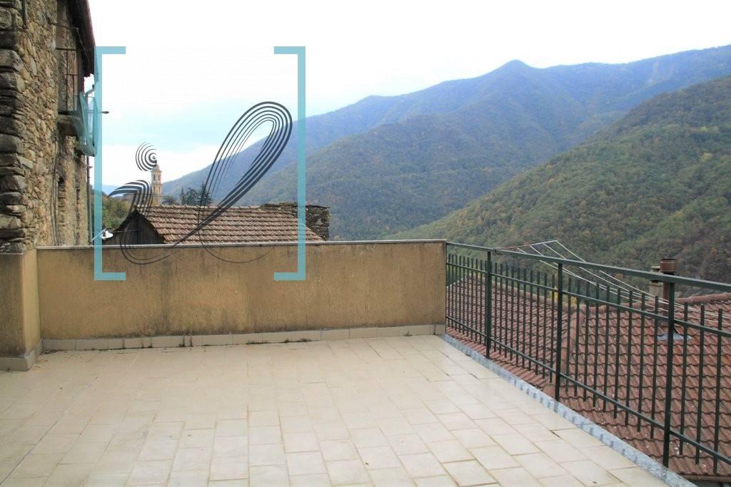 Rustico / Casale in vendita a Pieve di Teco, 4 locali, zona etico, prezzo € 72.000 | PortaleAgenzieImmobiliari.it