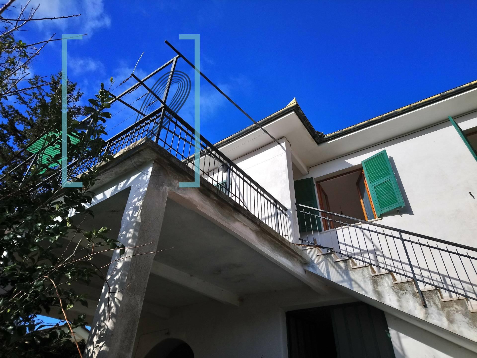 Rustico / Casale in vendita a Arnasco, 4 locali, zona Località: BezzoChiesa, prezzo € 140.000 | PortaleAgenzieImmobiliari.it