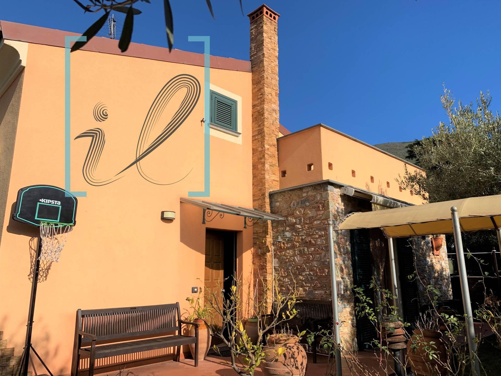 Villa in vendita a Cisano sul Neva, 7 locali, prezzo € 550.000   PortaleAgenzieImmobiliari.it