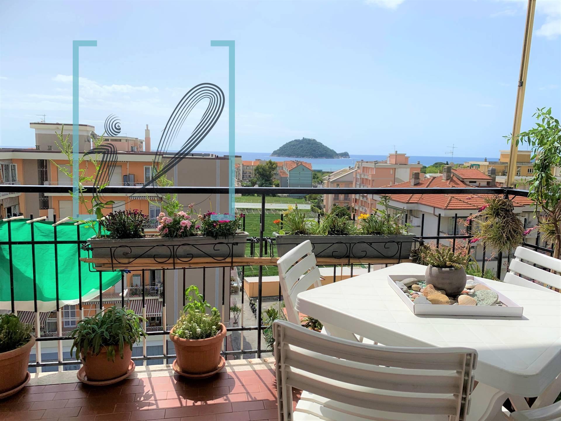 Appartamento in vendita a Albenga, 4 locali, prezzo € 250.000 | PortaleAgenzieImmobiliari.it