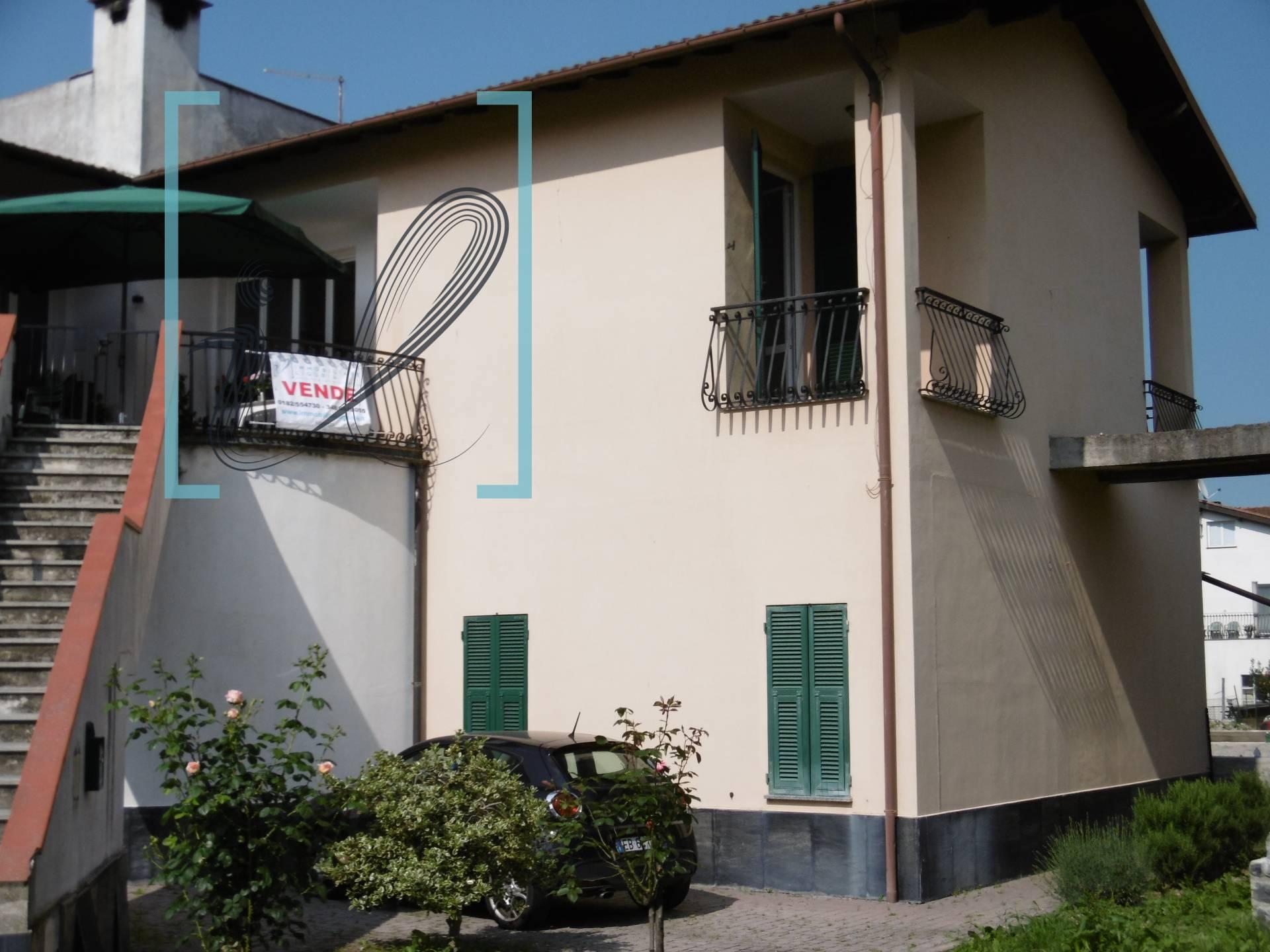 Appartamento in vendita a Vessalico, 4 locali, prezzo € 138.000 | CambioCasa.it