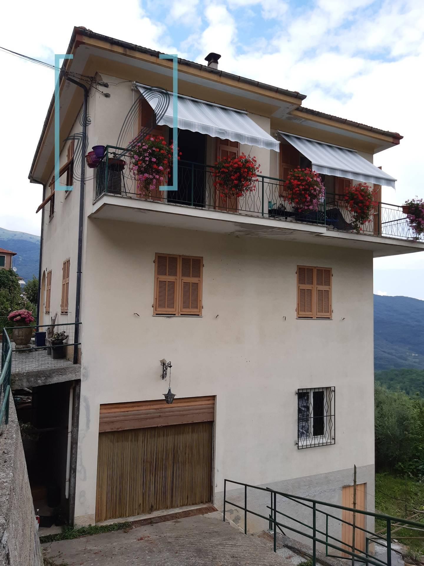 Soluzione Indipendente in vendita a Borgomaro, 7 locali, zona Località: VilleSanPietro, prezzo € 148.000 | CambioCasa.it