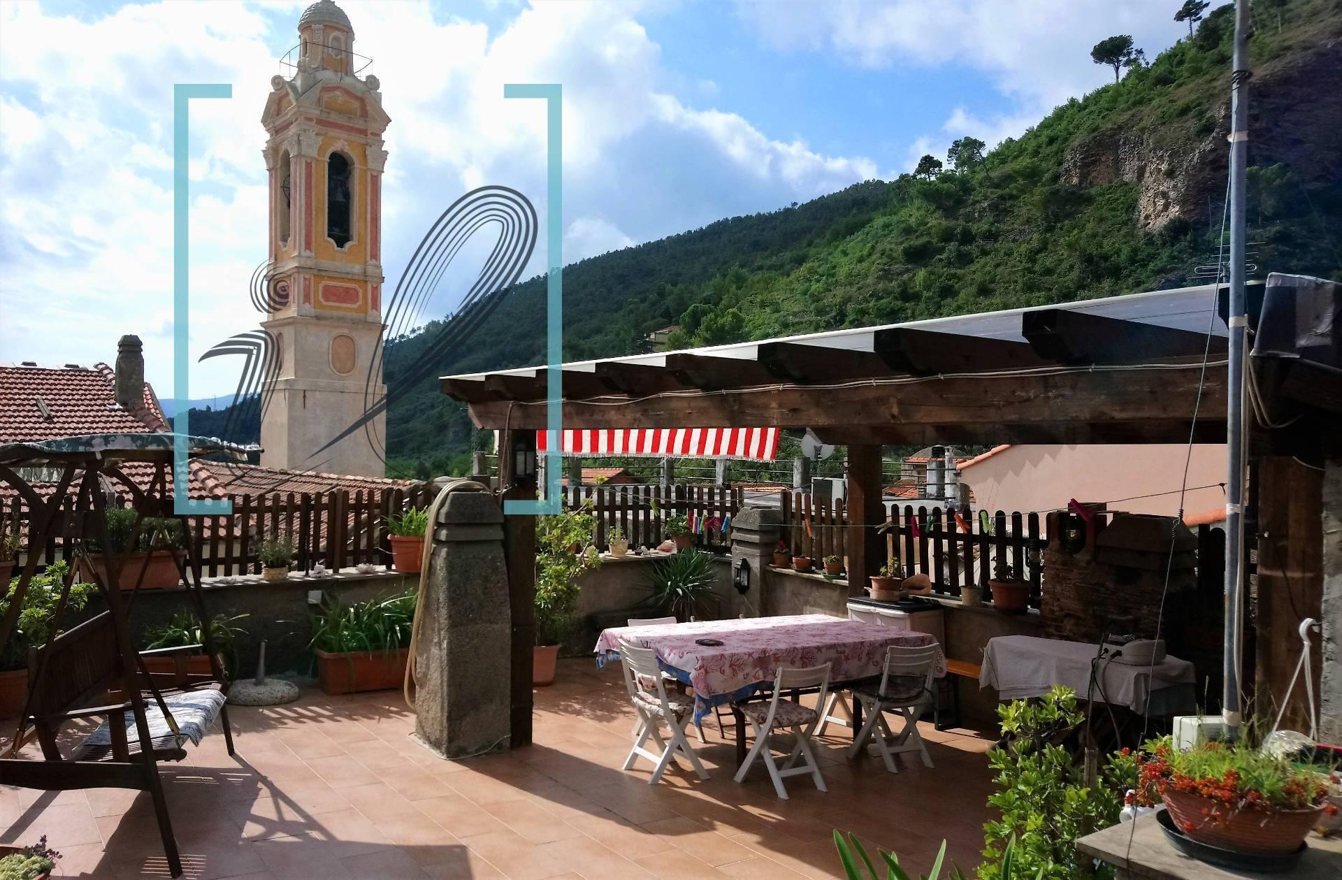 Rustico / Casale in vendita a Cisano sul Neva, 5 locali, prezzo € 180.000   PortaleAgenzieImmobiliari.it