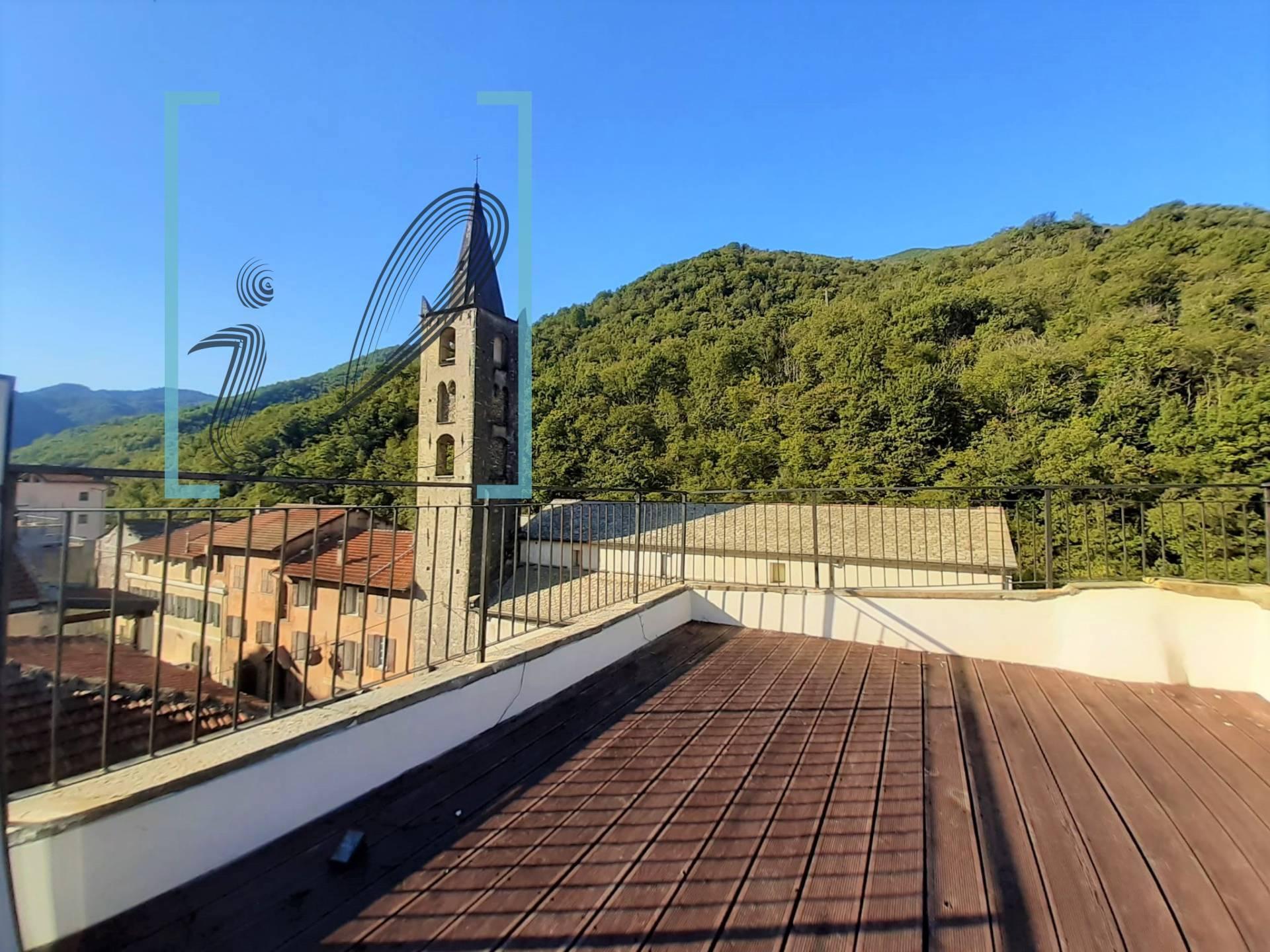 Appartamento in vendita a Pieve di Teco, 4 locali, prezzo € 100.000 | CambioCasa.it