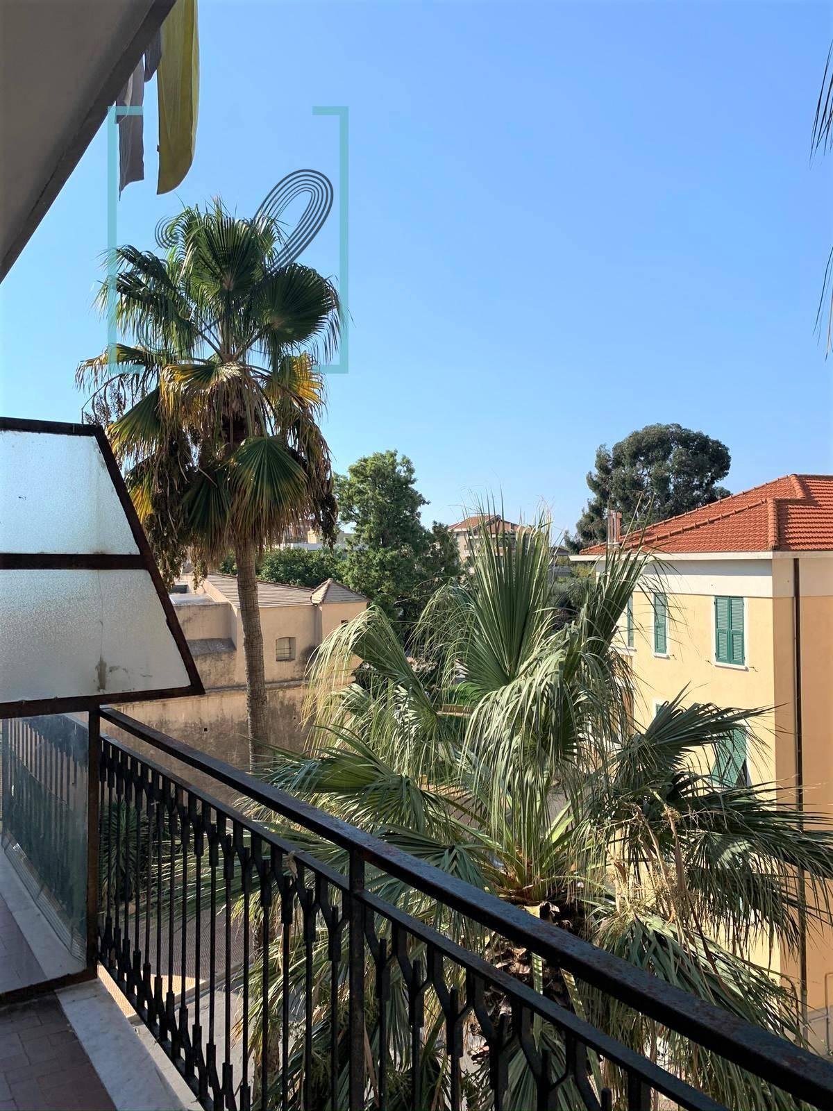 Appartamento in vendita a Albenga, 2 locali, prezzo € 170.000 | PortaleAgenzieImmobiliari.it