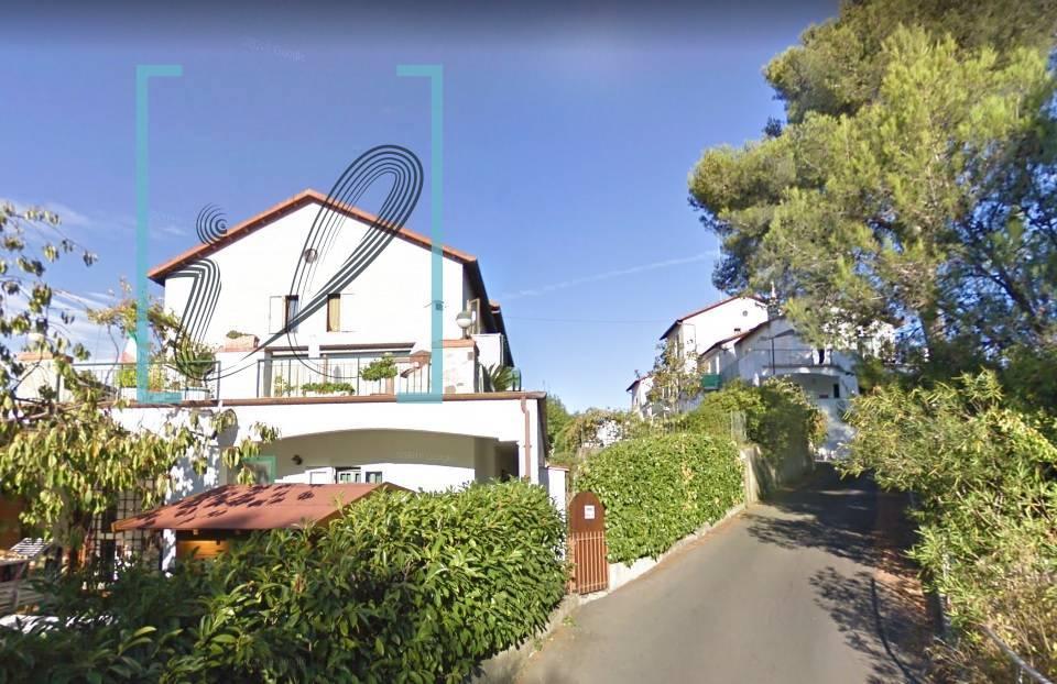 Appartamento in vendita a Villanova d'Albenga, 2 locali, prezzo € 65.000   CambioCasa.it