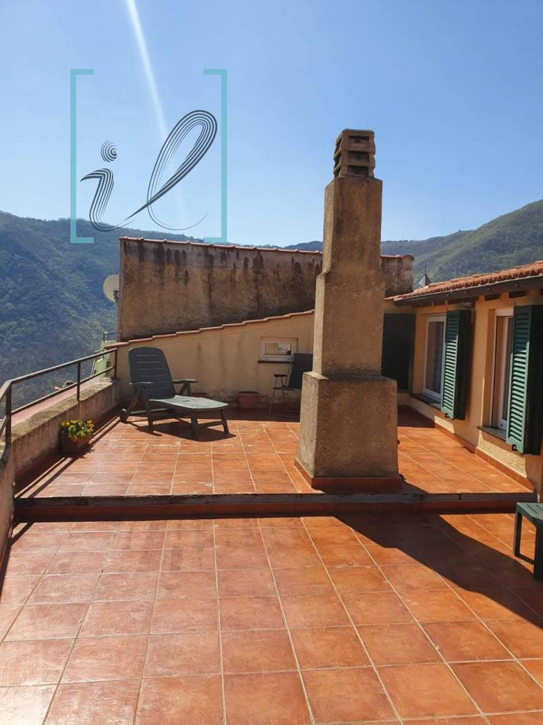Rustico / Casale in vendita a Balestrino, 6 locali, prezzo € 130.000 | CambioCasa.it