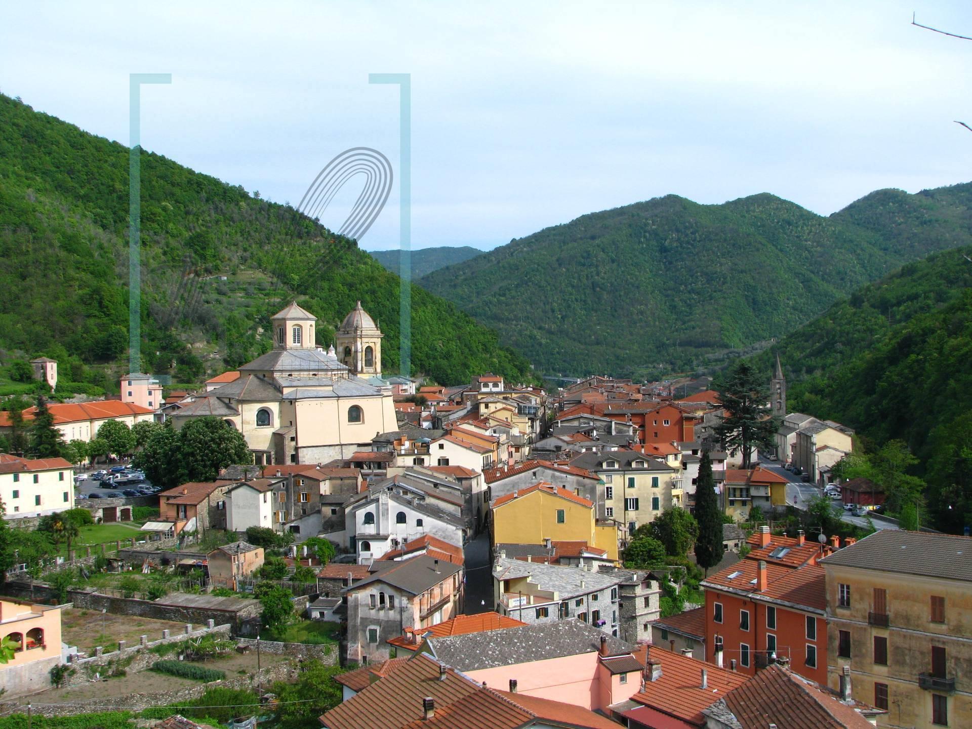 Appartamento in vendita a Pieve di Teco, 4 locali, prezzo € 78.000 | CambioCasa.it