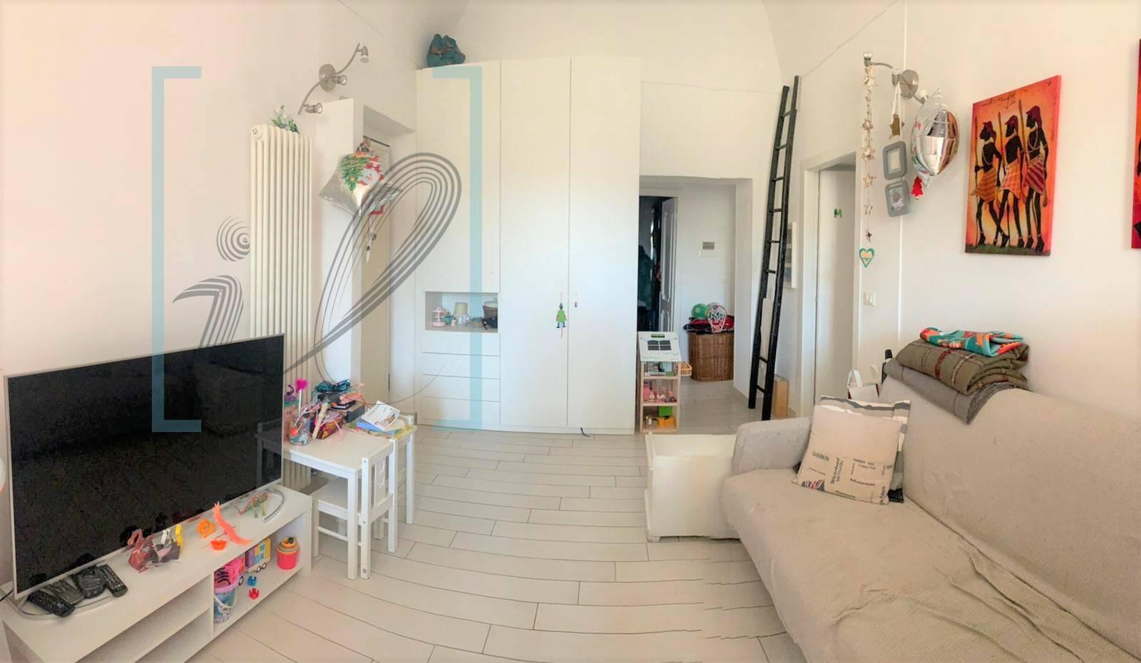 Appartamento in vendita a Albenga, 4 locali, zona Località: Centro, prezzo € 170.000 | PortaleAgenzieImmobiliari.it
