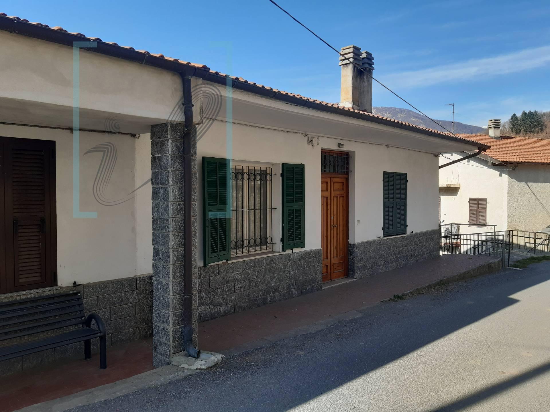Soluzione Indipendente in vendita a Cosio di Arroscia, 10 locali, prezzo € 66.000 | PortaleAgenzieImmobiliari.it