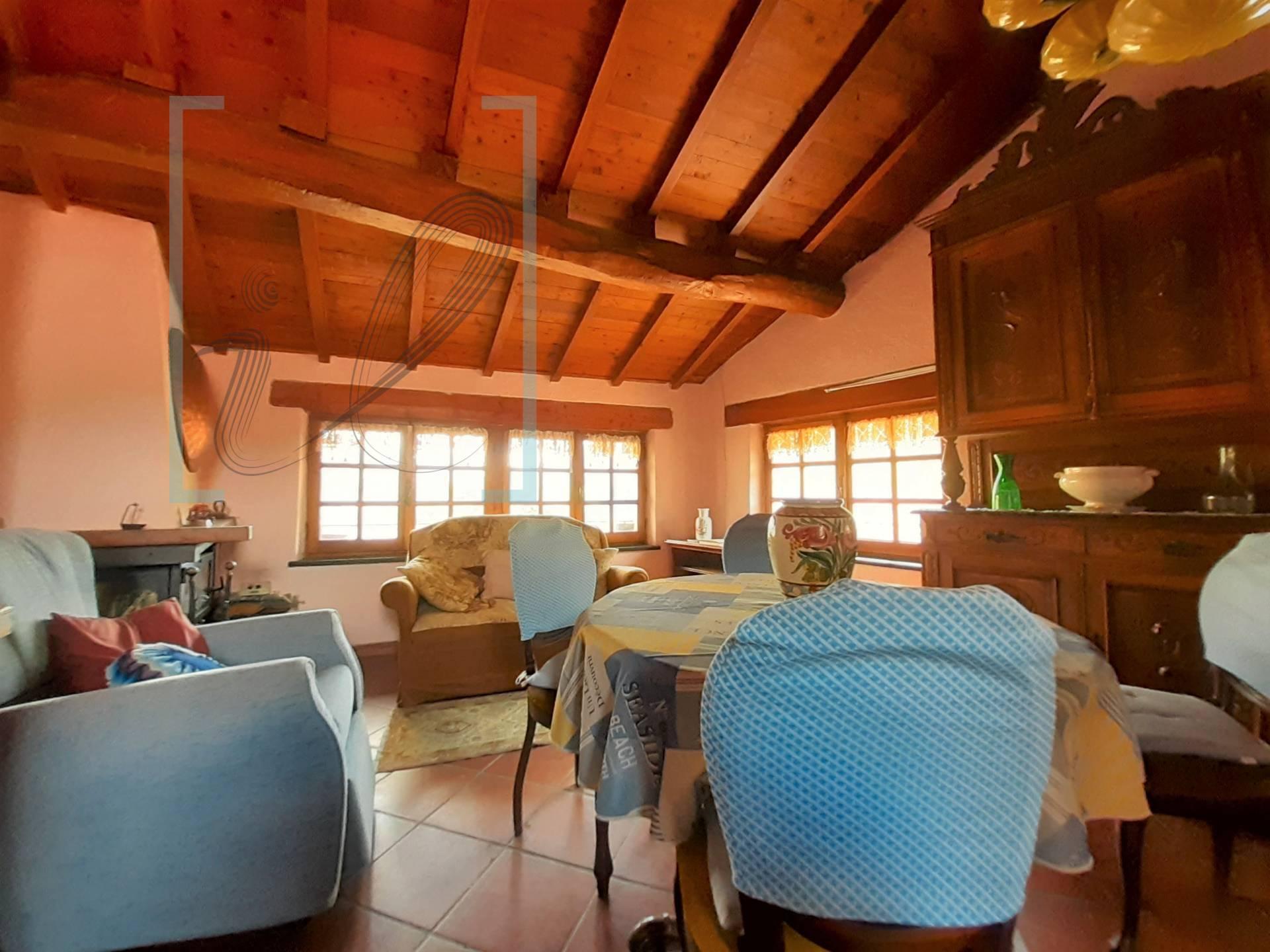 Rustico / Casale in vendita a Vessalico, 6 locali, prezzo € 105.000 | CambioCasa.it